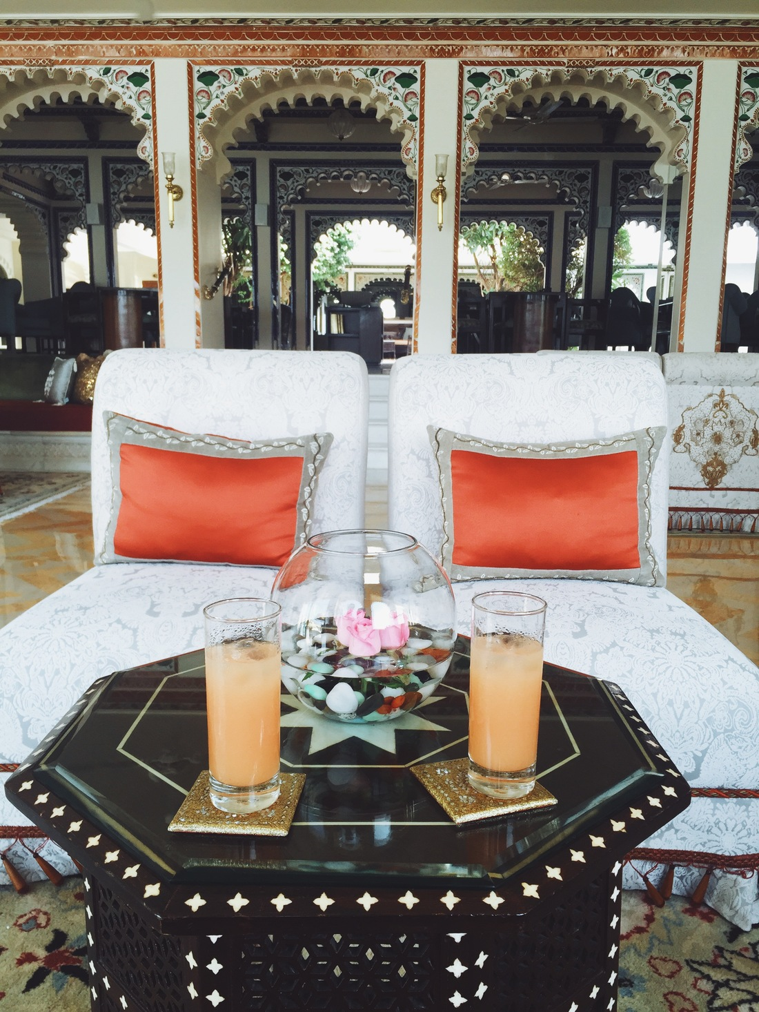 welcome drinks taj lake palace