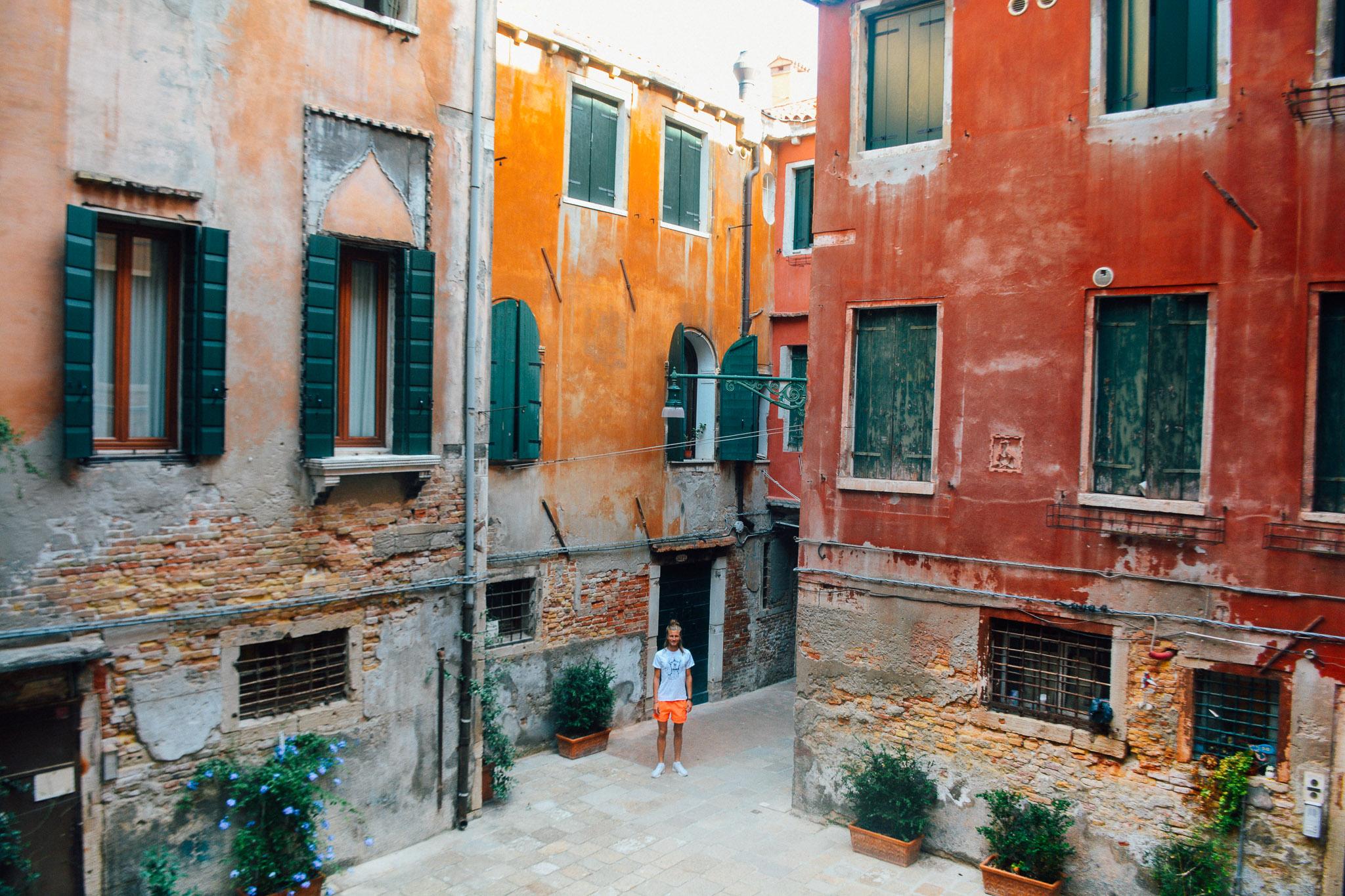 Venice_PerriRothenberg_Resized-6.jpg