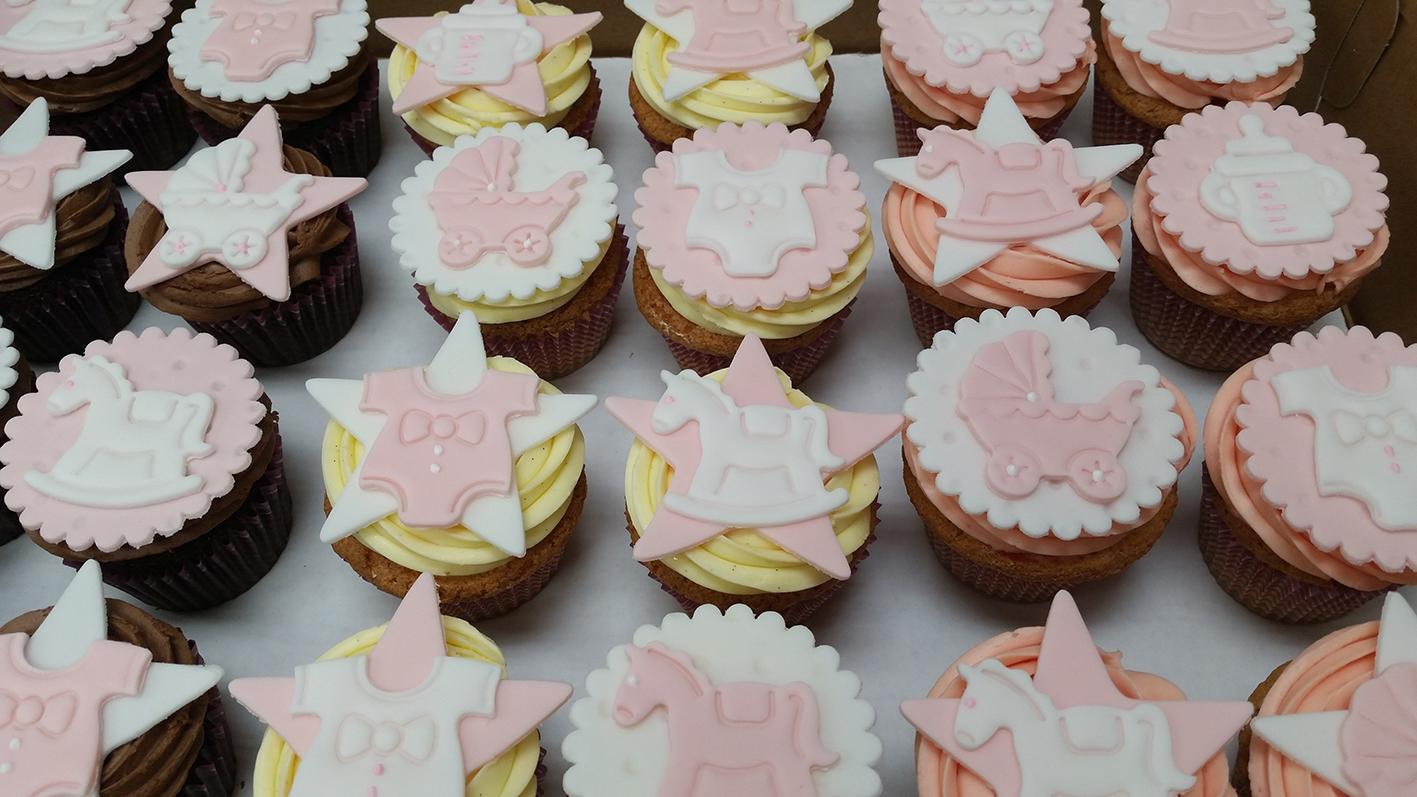6. baby shower cupcakes.jpg