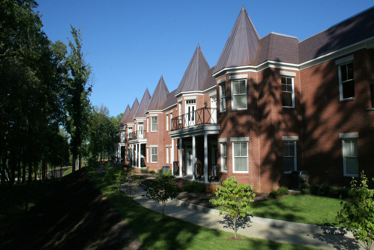 Claygate:   Only 36 single level rowhomes and lifestyle villas will be located on this twenty acre parcel. Units inside Claygate range from 1700 to 2600 square feet. All units have ten ft ceilings, granite countertops, elaborate crown molding and base board packages, stainless steel appliances and two car garages. All residents in Claygate have access to a private six acre park and are within an easy walk to Old Capitol Town and Ladd Landing's swimming pool and wellness center.