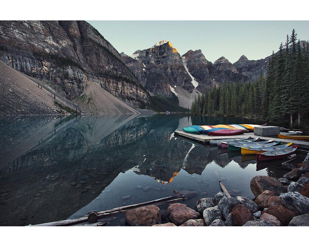 058-canada-alberta-lake-moraine.jpg