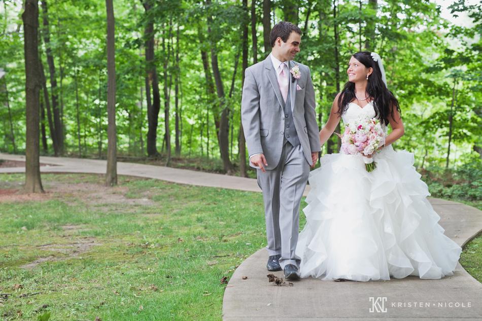 cleveland-wedding-photographers-01.jpg