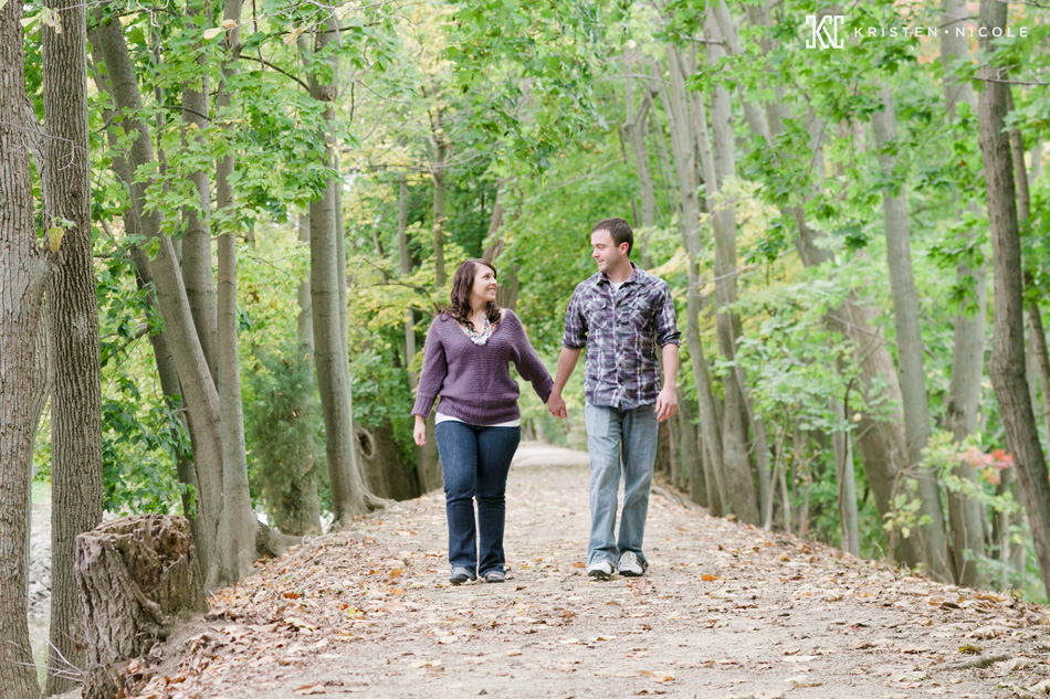 engagement-photos-grand-rapids.jpg