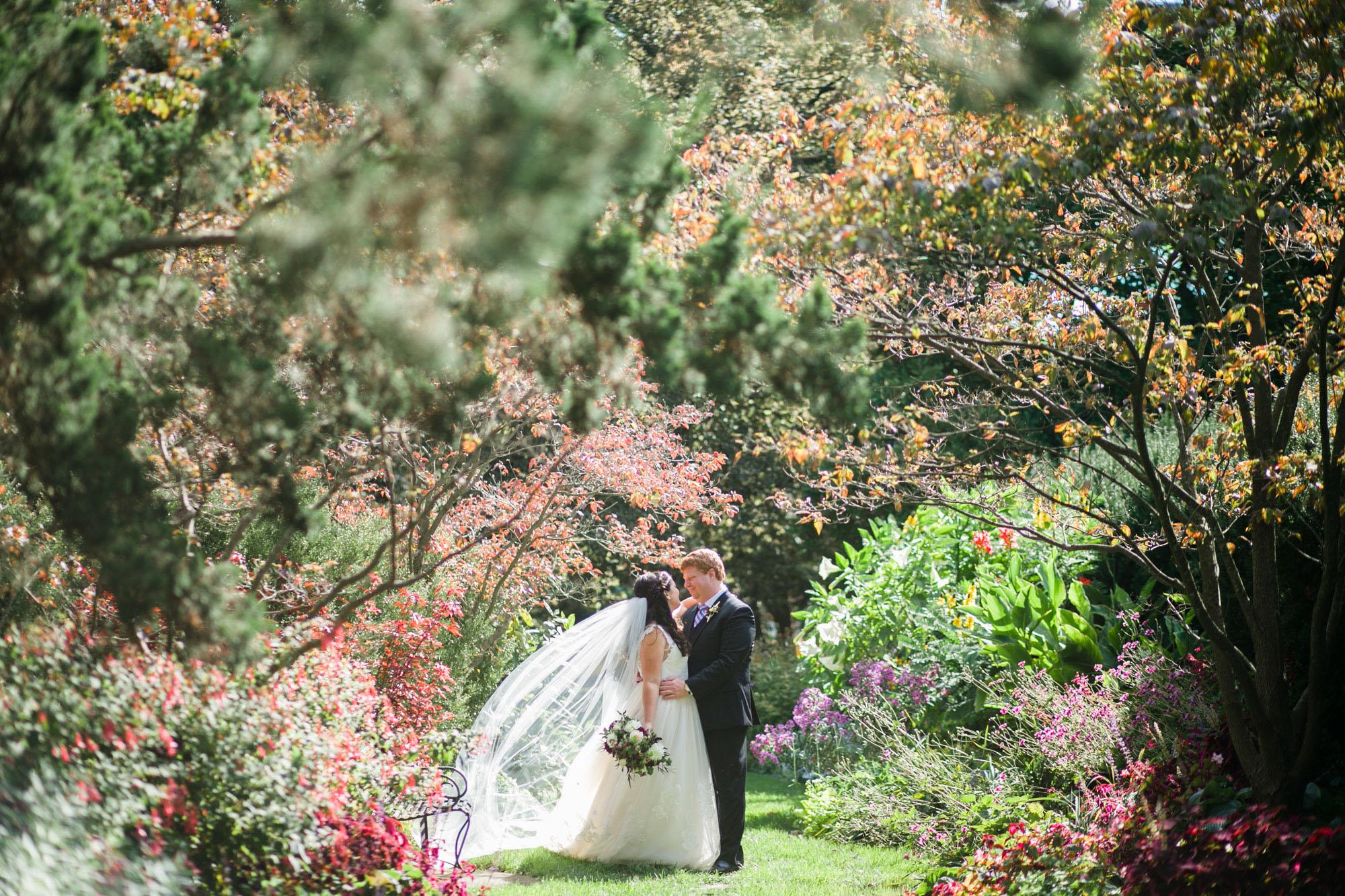 toledo-zoo-wedding-pictures-17.jpg