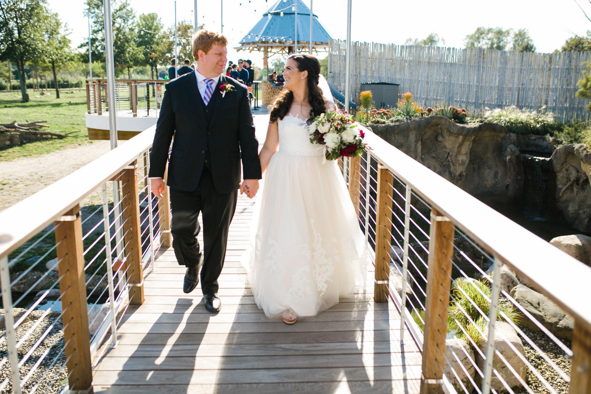 toledo-zoo-wedding-pictures-35.jpg