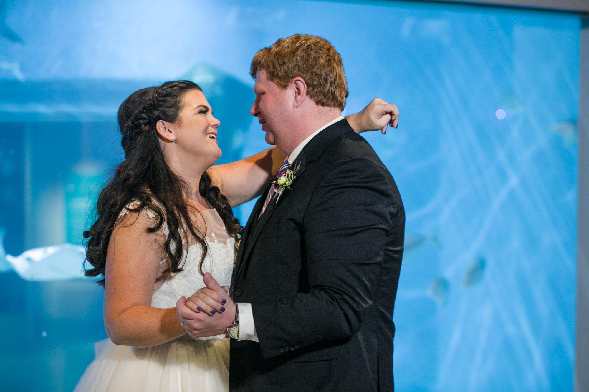 toledo-zoo-wedding-pictures-127.jpg