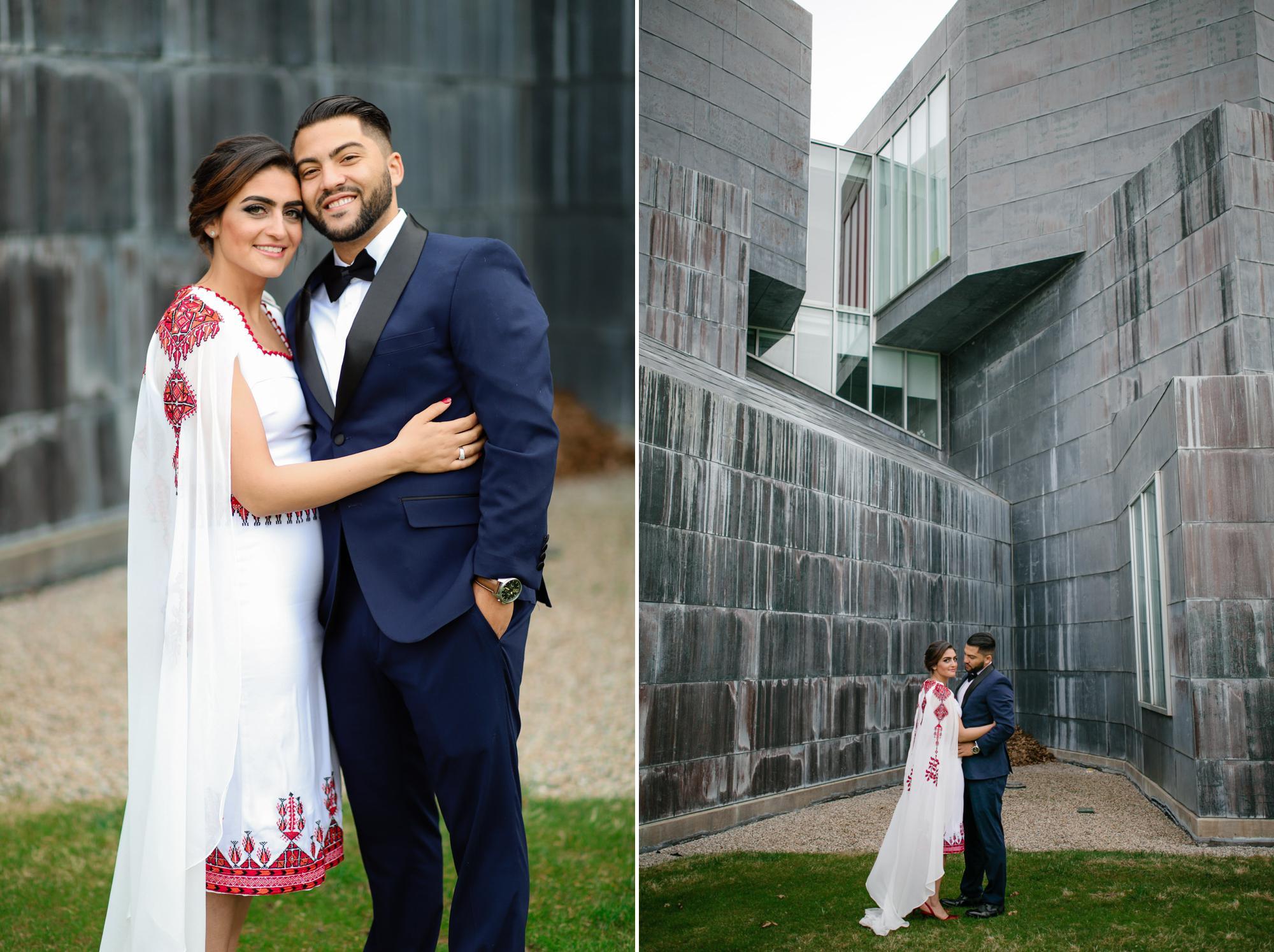 toledo-museum-glass-pavilion-wedding-photos-3.jpg