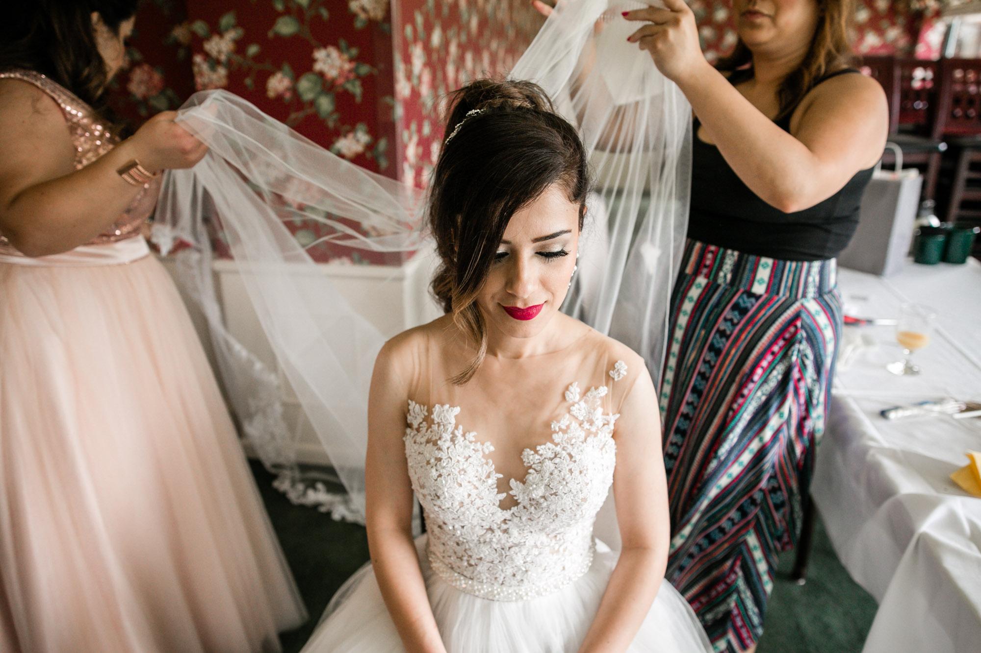 sylvania-country-club-wedding-photos-36.jpg