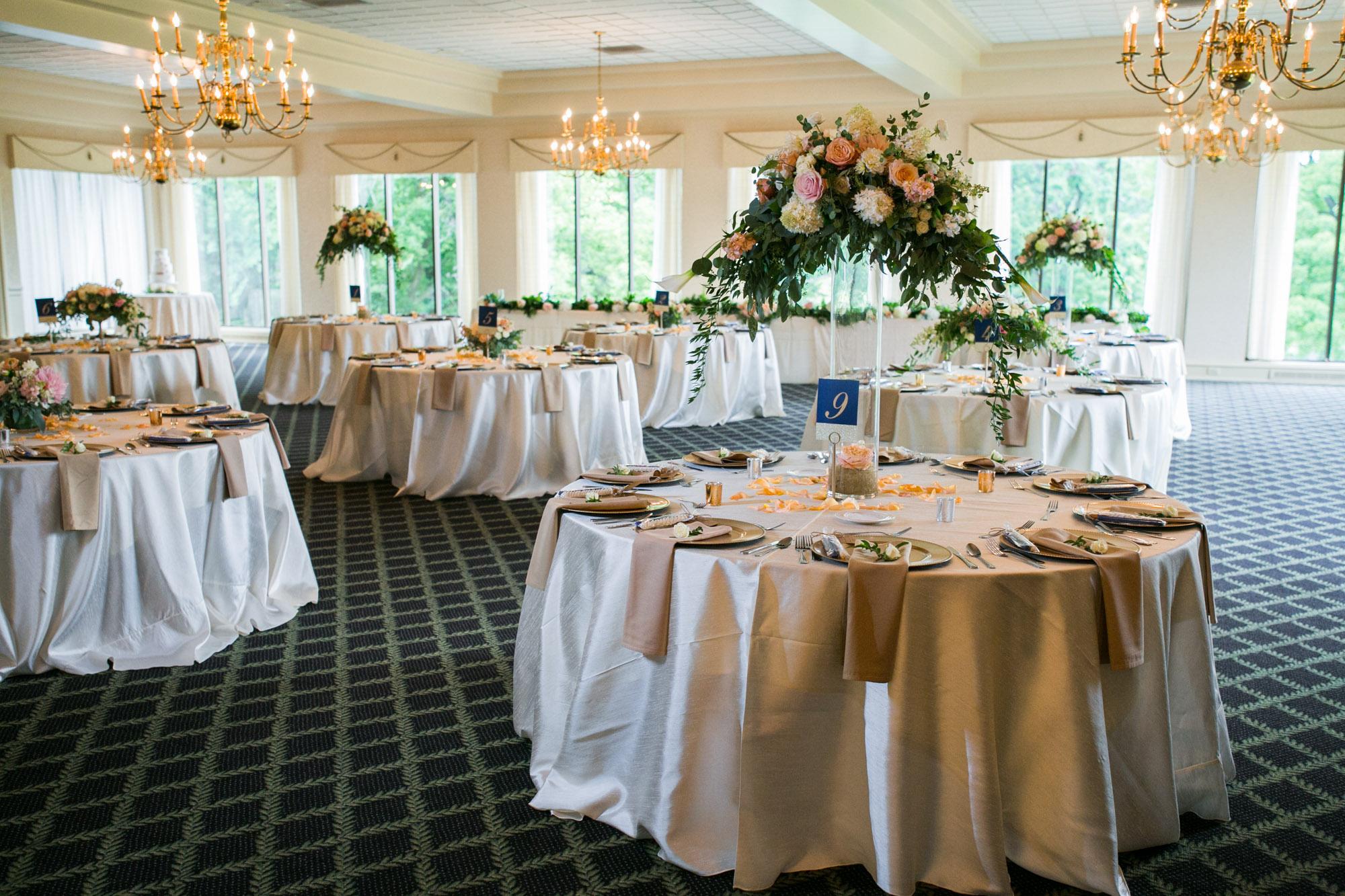 sylvania-country-club-wedding-photos-104.jpg