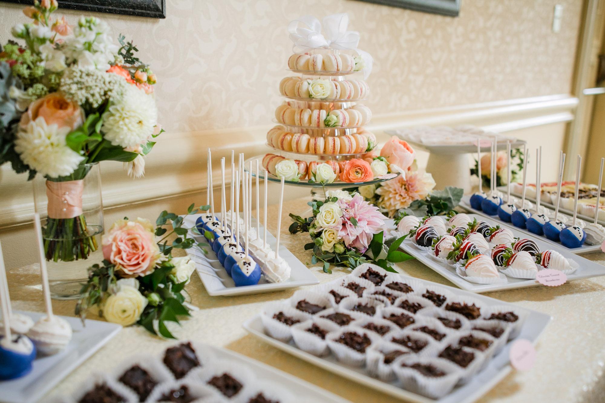 sylvania-country-club-wedding-photos-132.jpg