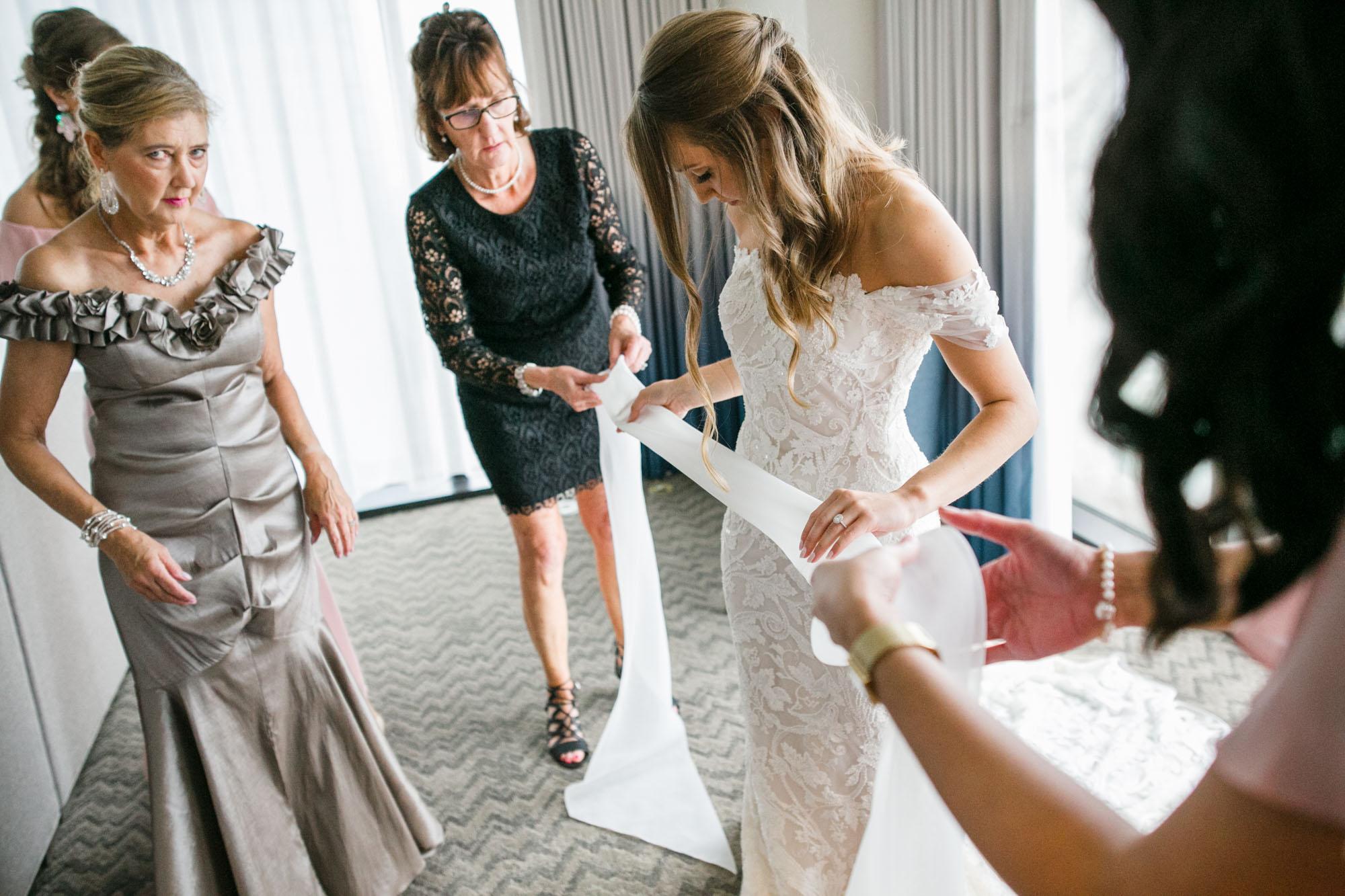 Toledo-country-club-wedding-photos-26.jpg