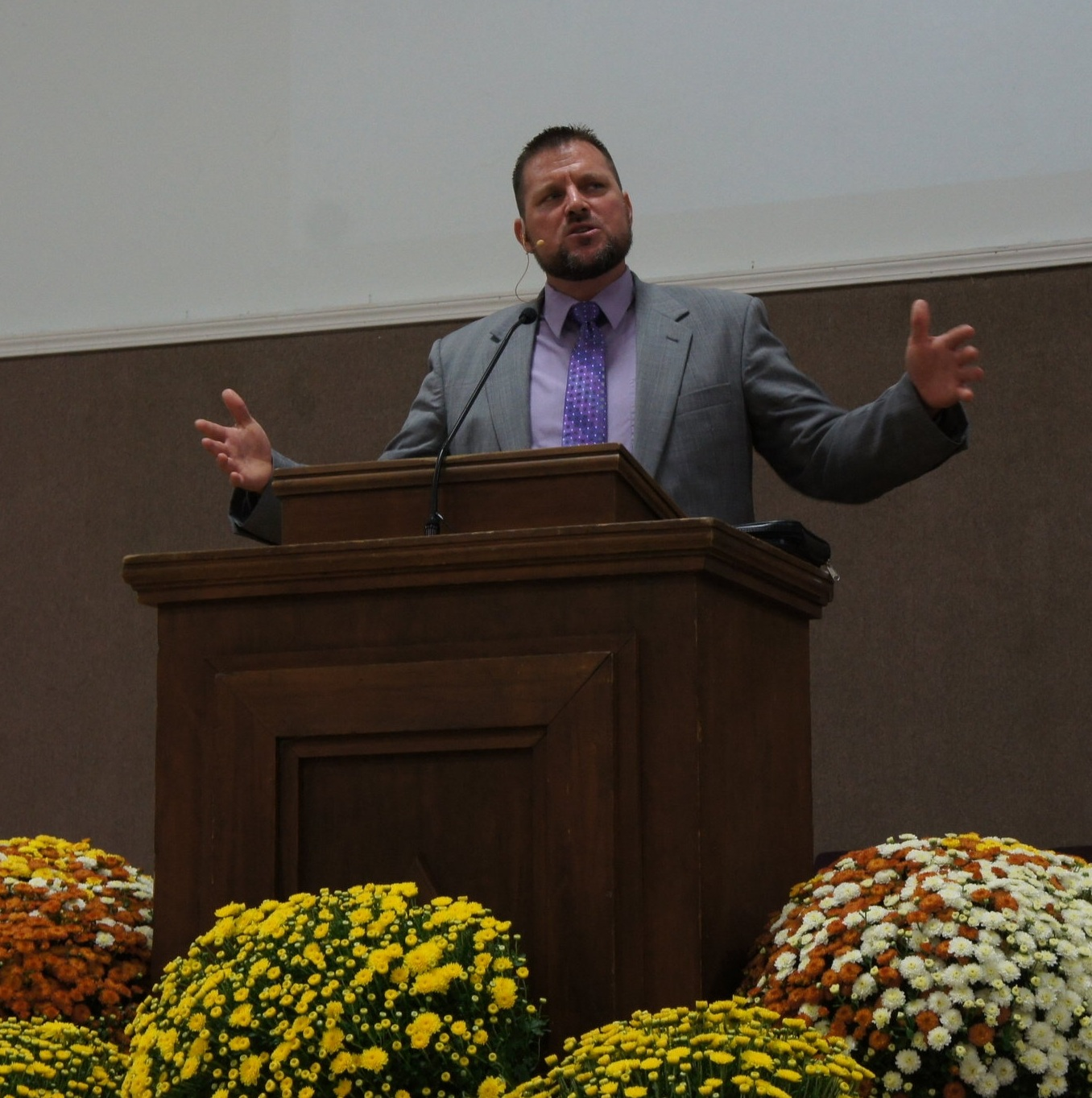 Pastor Aaron Clark ('98) ~ gave the sermon