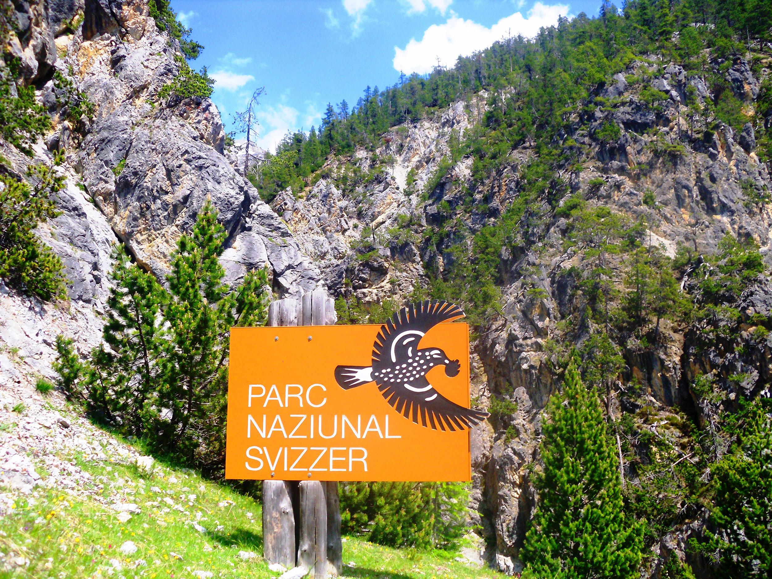 schild_eingang_schweizer_nationalpark_engadin.jpg