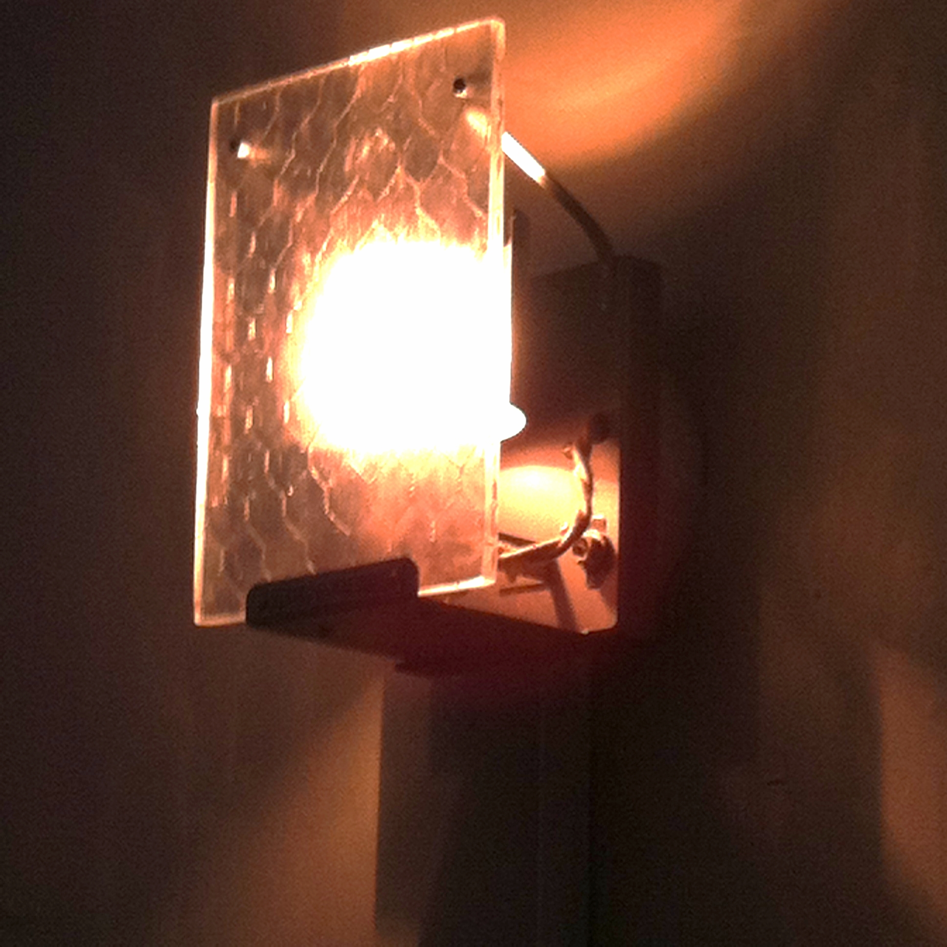restaurant light.jpg