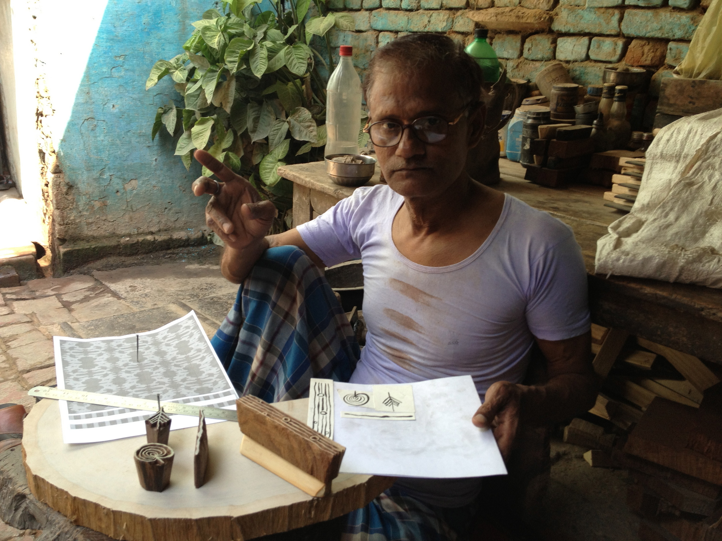 Subbash in his shop, Khojwa, Varanasi, 2013