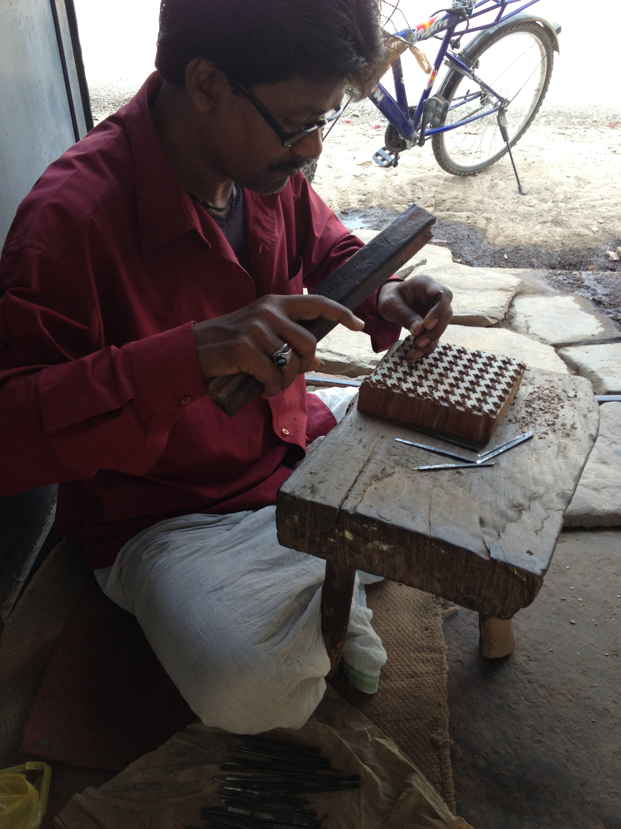 Jogdish working in shop, Khojwa, Varanasi, 2013
