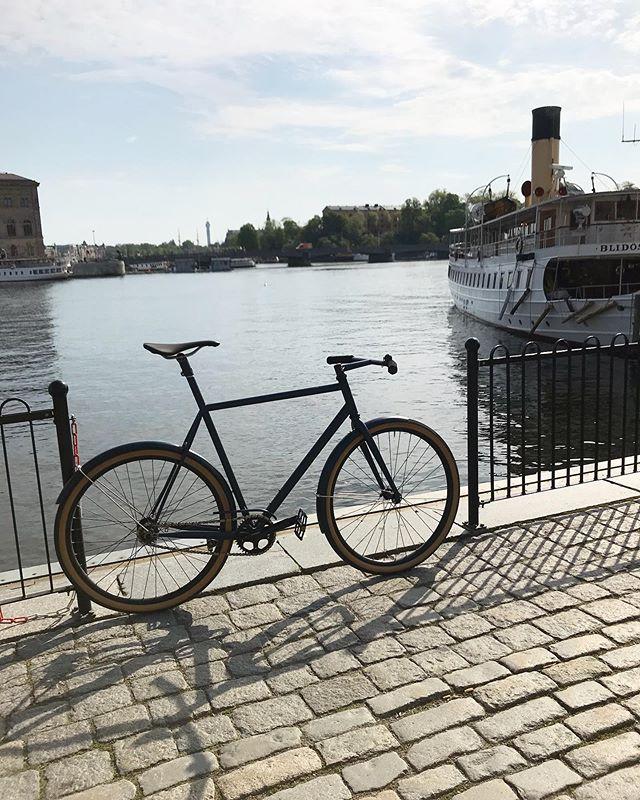 Good morning Stockholm #thevanillaworkshop #speedvagen #vagenwednesday #steelisreal #stockholm
