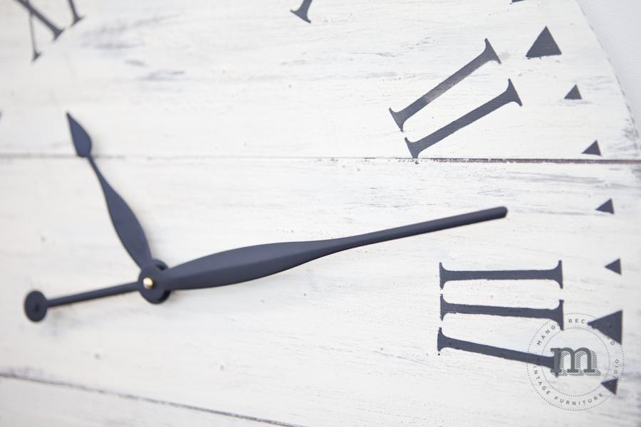 Rustic Farmhouse Clock - Saturday March 10th, 12-3pm!