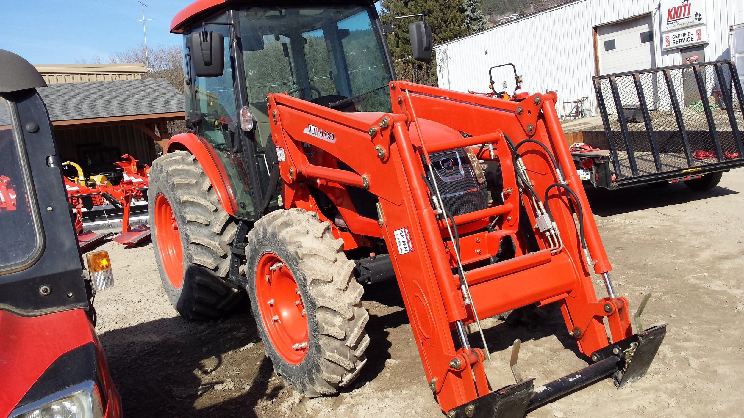 RX7320 Vernon tractor dealer timberstar tractor front right view.jpg