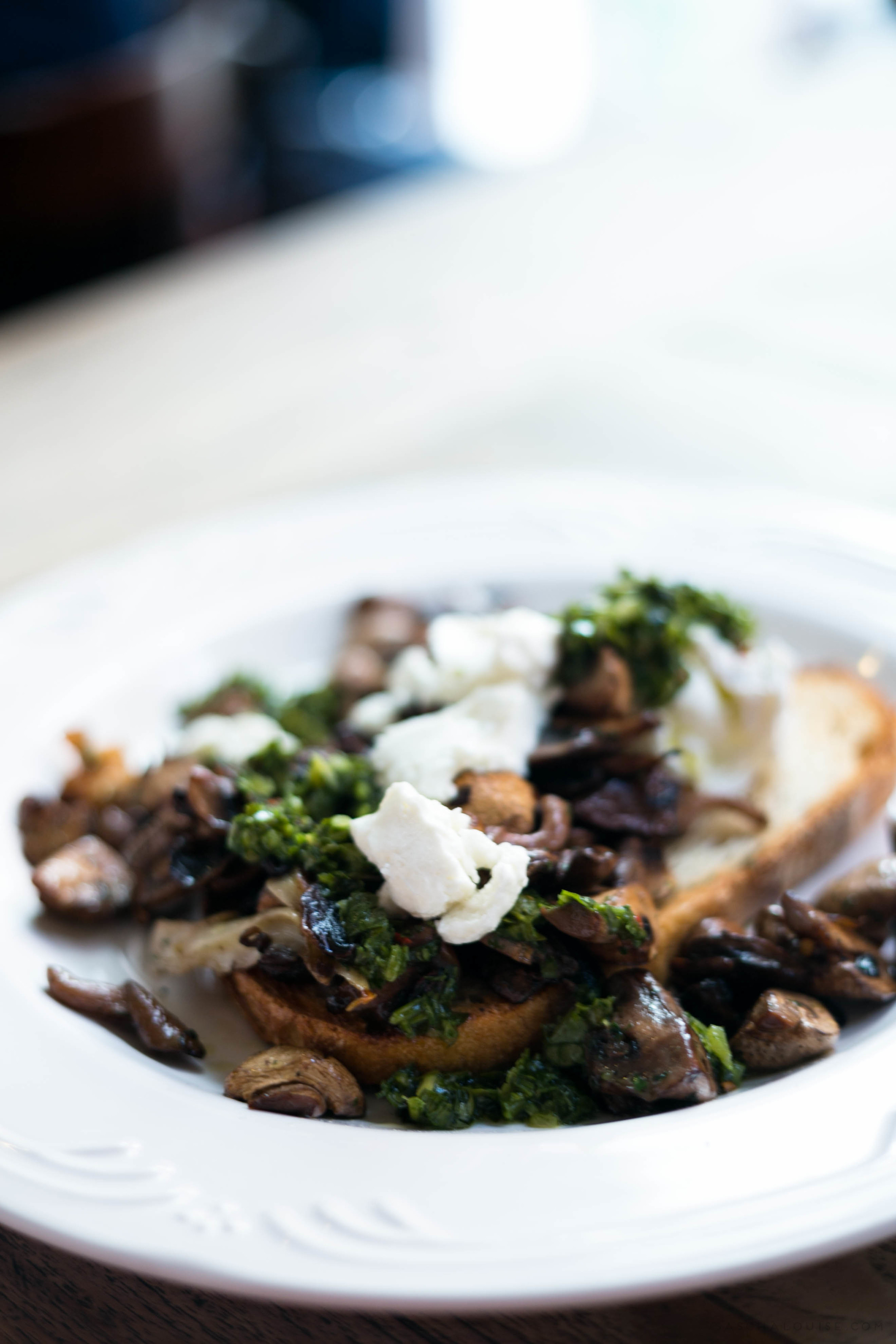 Sautéed Mushrooms on sourdough : Chez Dre