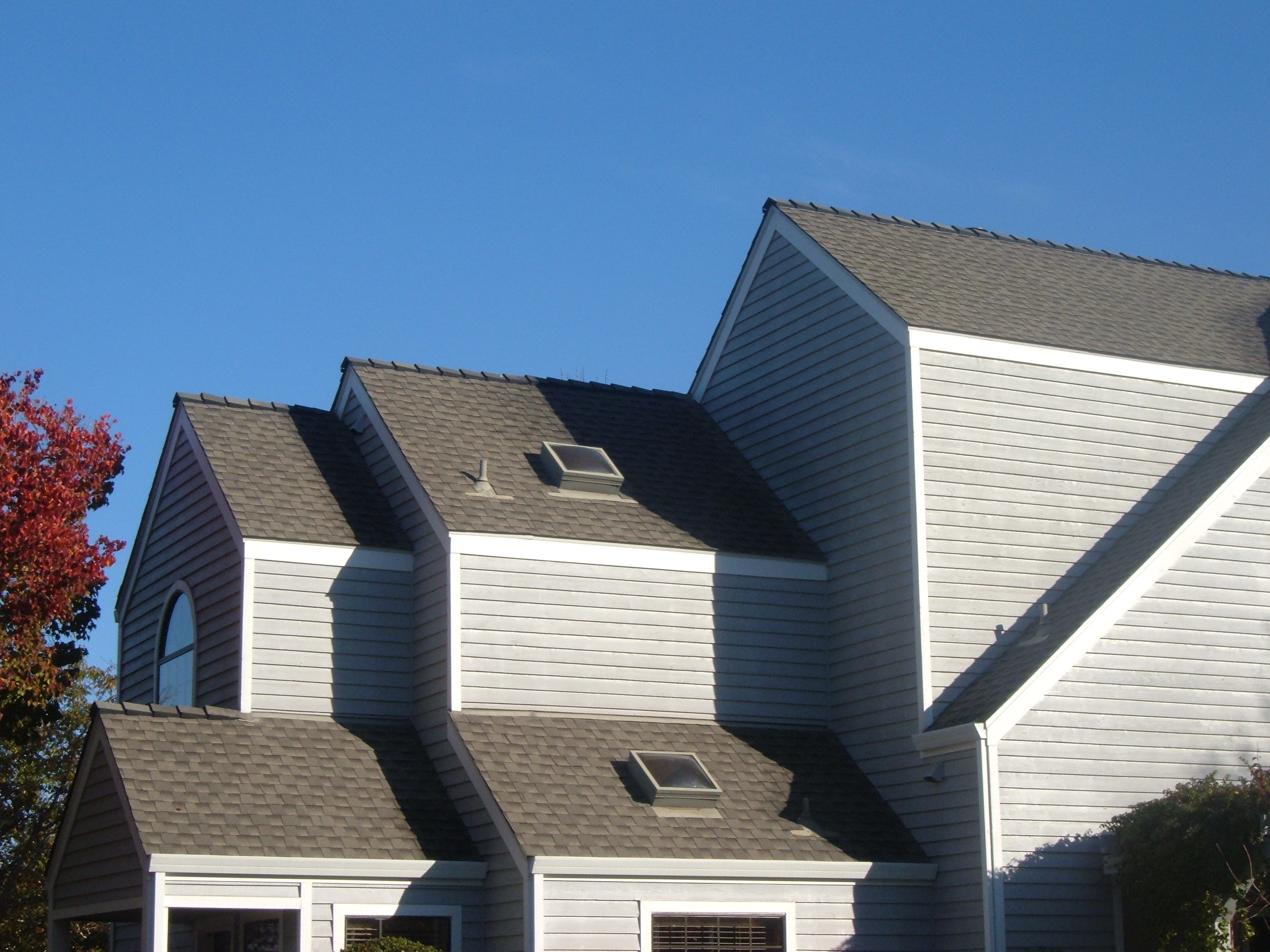 Completed Composition Shingle Roof Project by Ved's Roofing of Yuba City, CA.