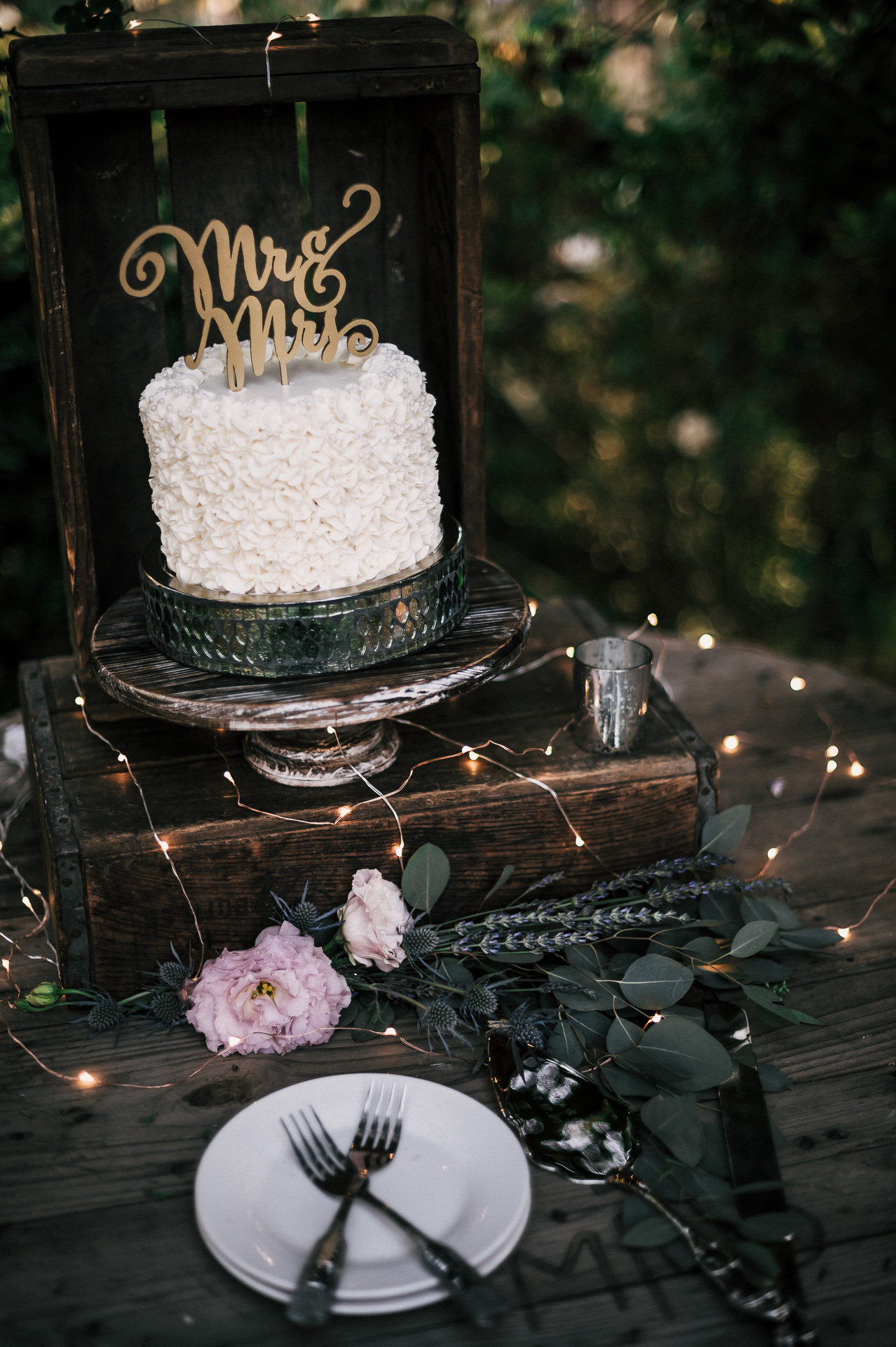 Simple but elegant wedding cake for your country wedding at Quail Haven Farm.