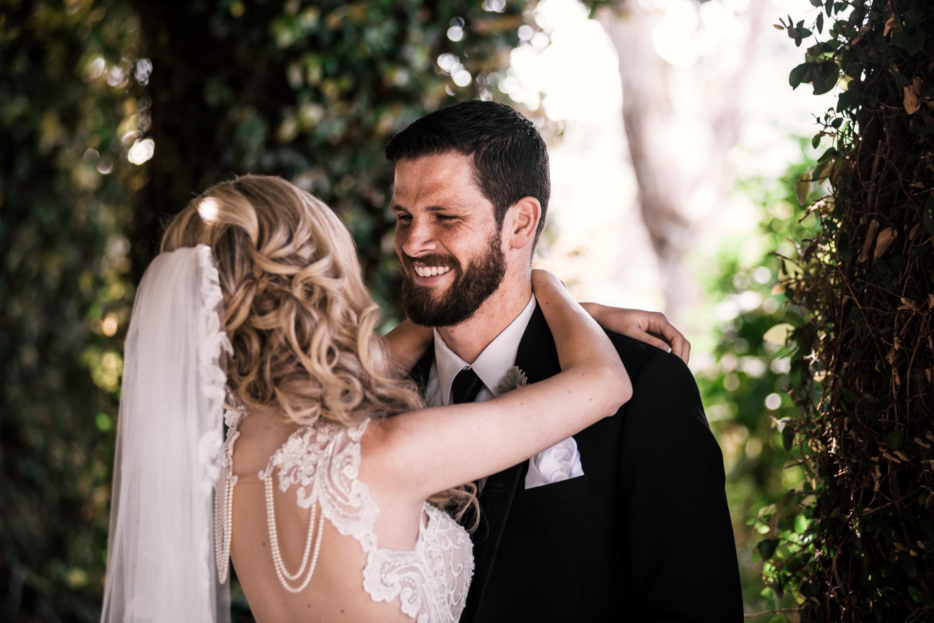 happy bride and groom at the Twin Oaks Golf Course in San Marcos, San Diegos premier wedding venue