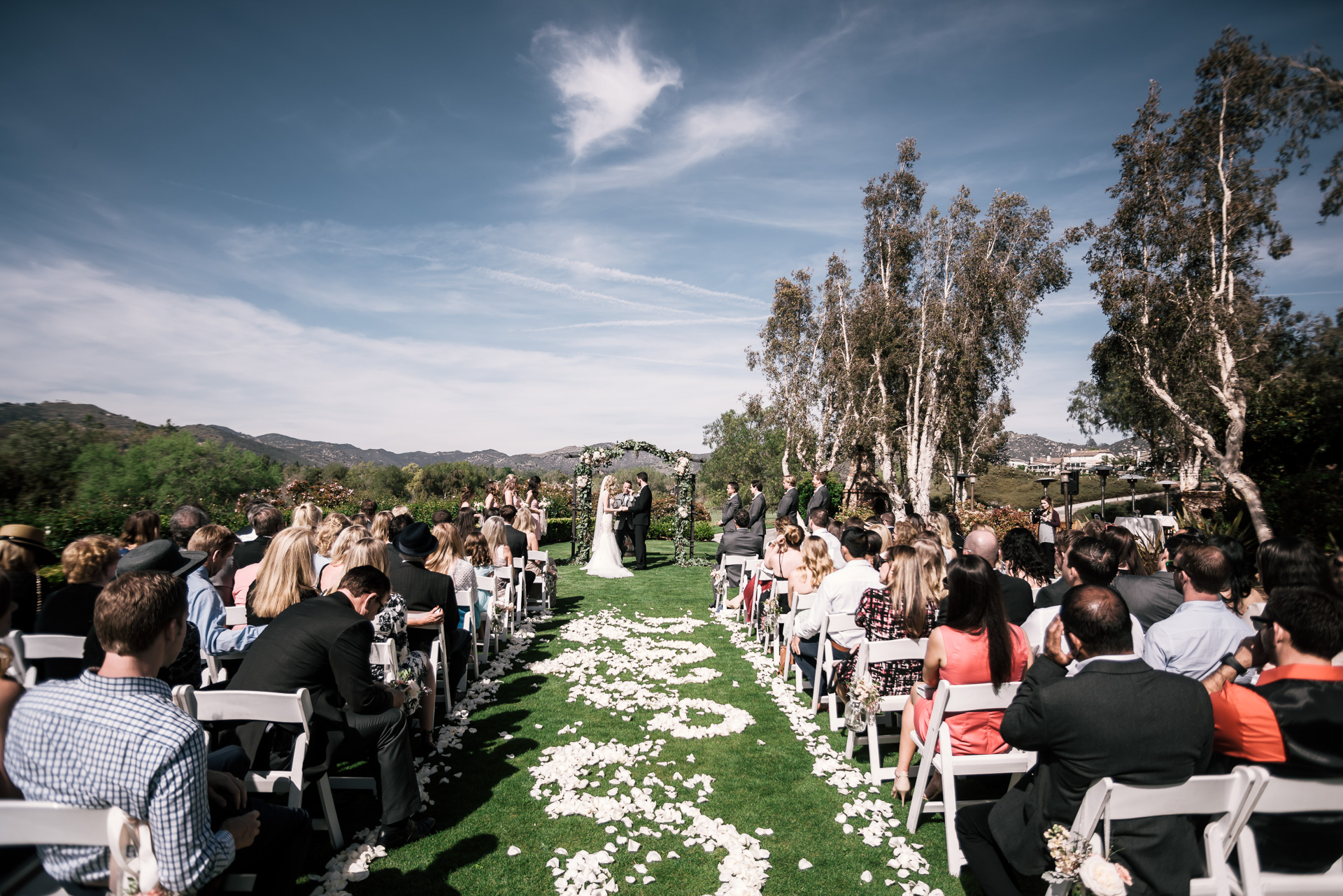 wedding ceremony at the Twin Oaks Golf Course in San Marcos, San Diegos premier wedding venue