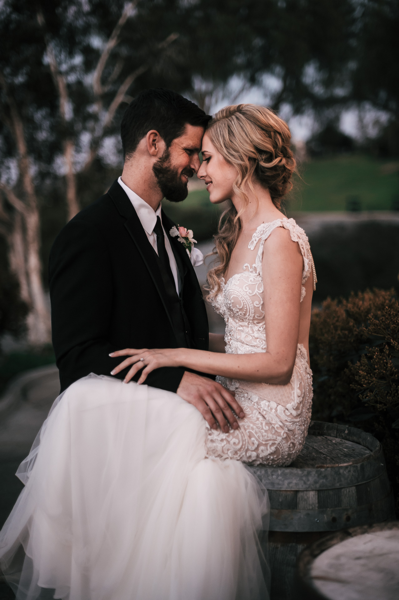 romantic wedding photography at the Twin Oaks Golf Course in San Marcos, San Diegos premier wedding venue