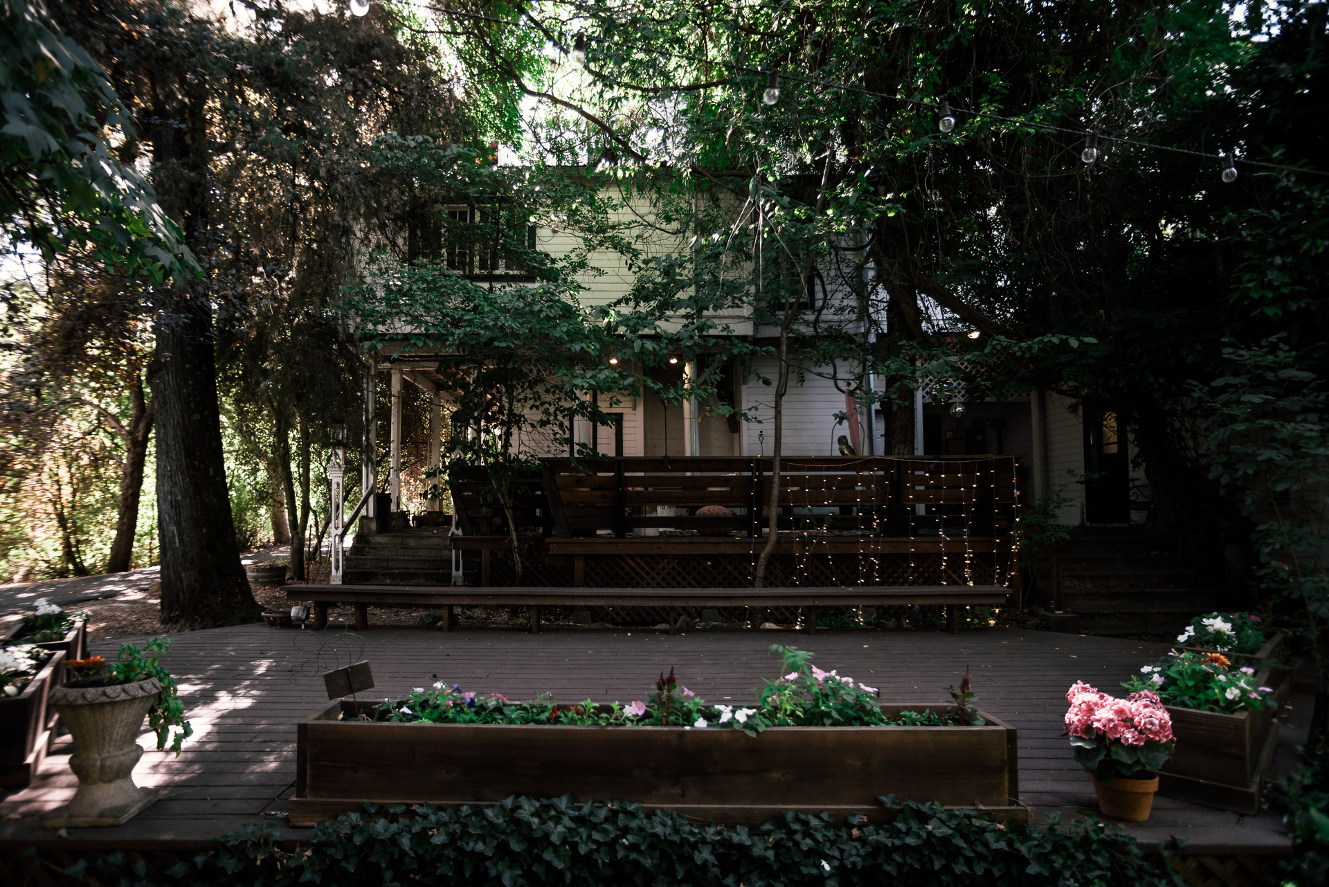 rustic wedding venue shot by wedding photographer at the charming St. George Hotel in Volcano California