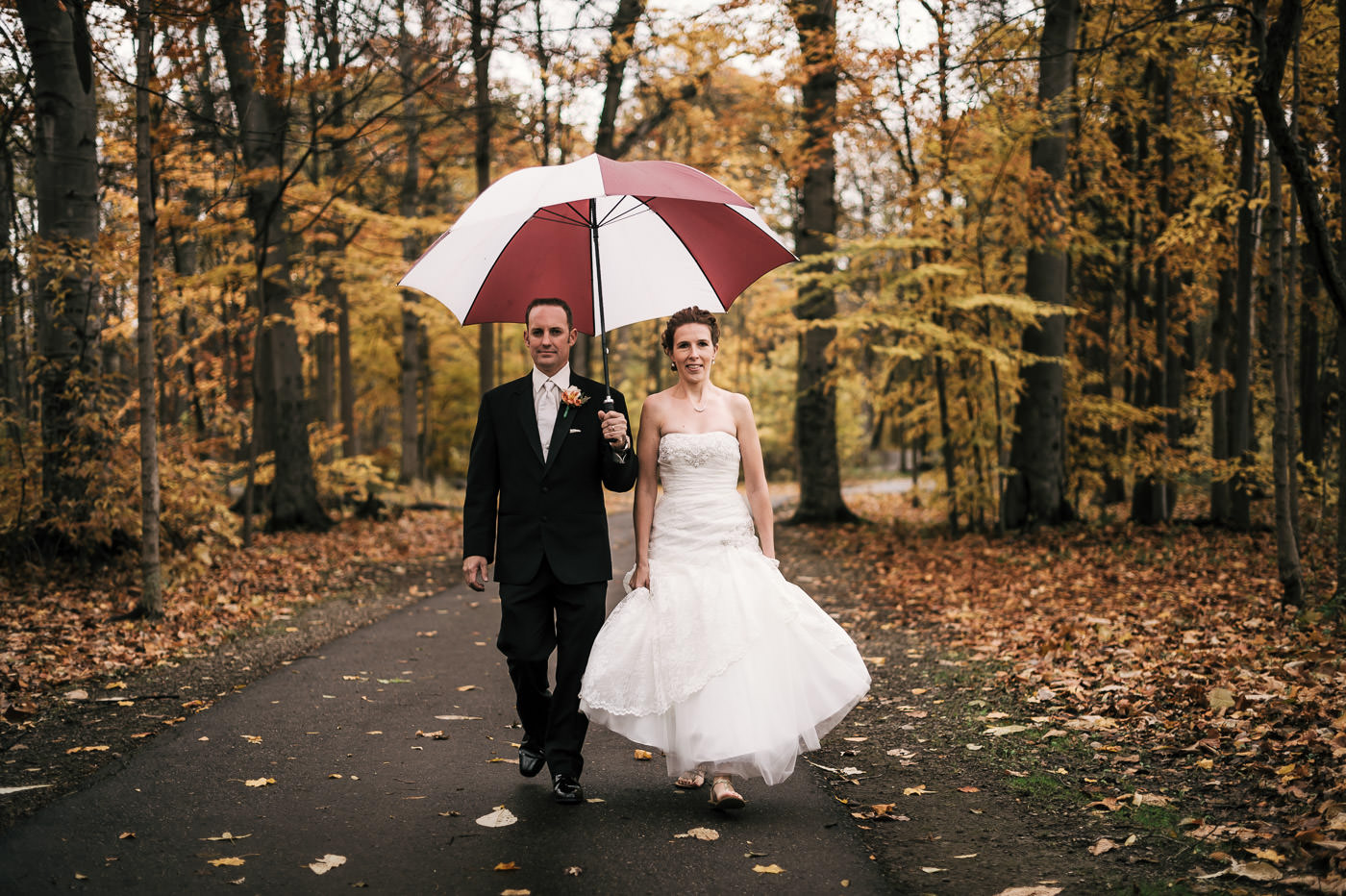 2. With a location in mind choose a date for your elopement - Now that you've decided on a the perfect place, when should you elope? Like a vacation you can certainly do it spur of the moment, but your location of choice likely has a time that's best to visit at, or it may not be accessible all year. Depending on how popular the location is you might want to avoid its peak season. Many travel guides will tell you Yosemite is at its best in early June… well about 500,000 other people read the same thing. Every location is going to be different so flexibility will get you the best experience here.