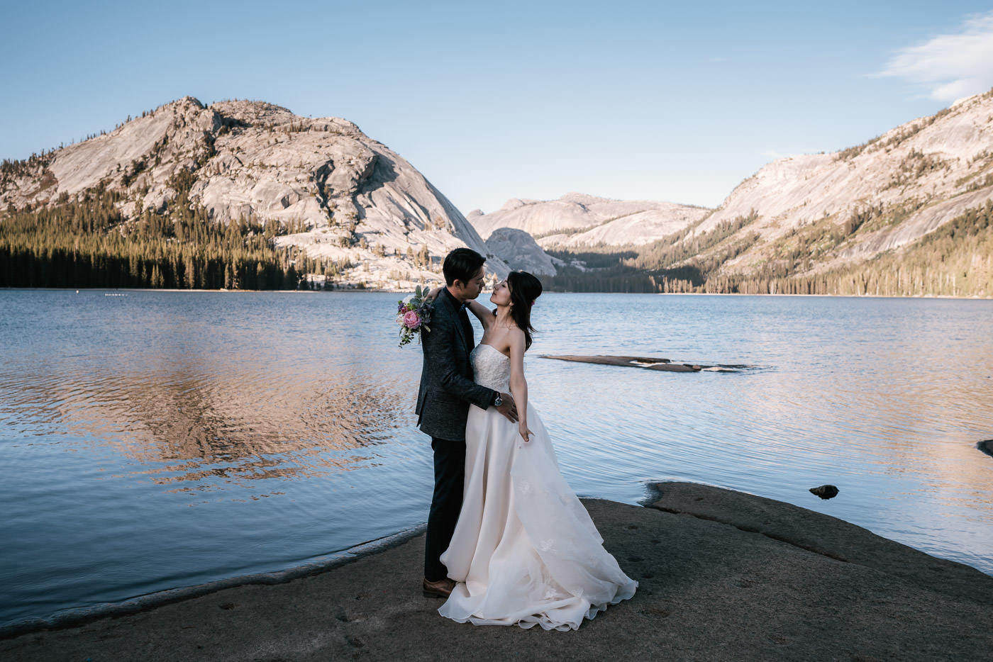 tenaya-lake-elopement-yosemite-7.jpg