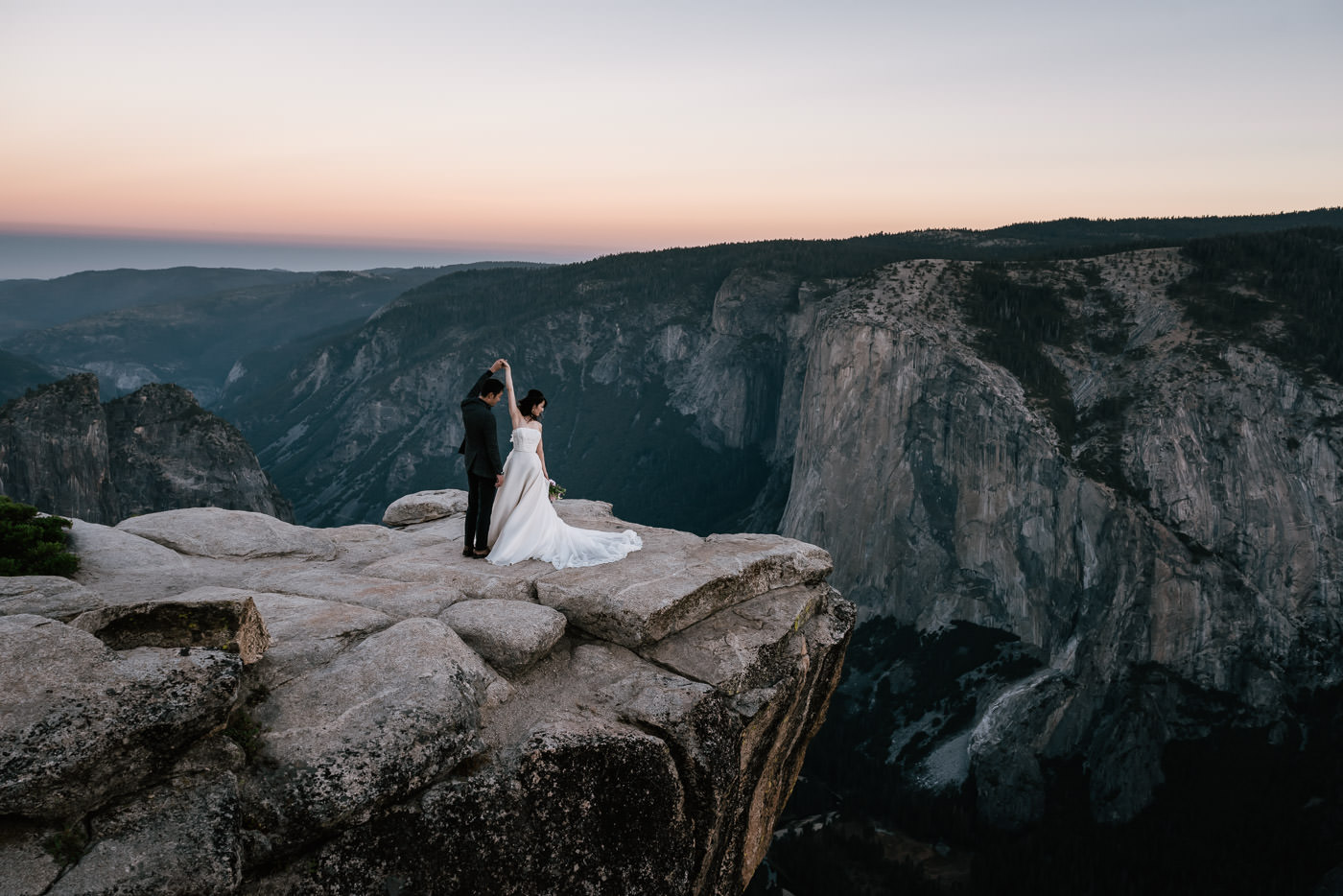 Best adventure photographer for national park weddings.