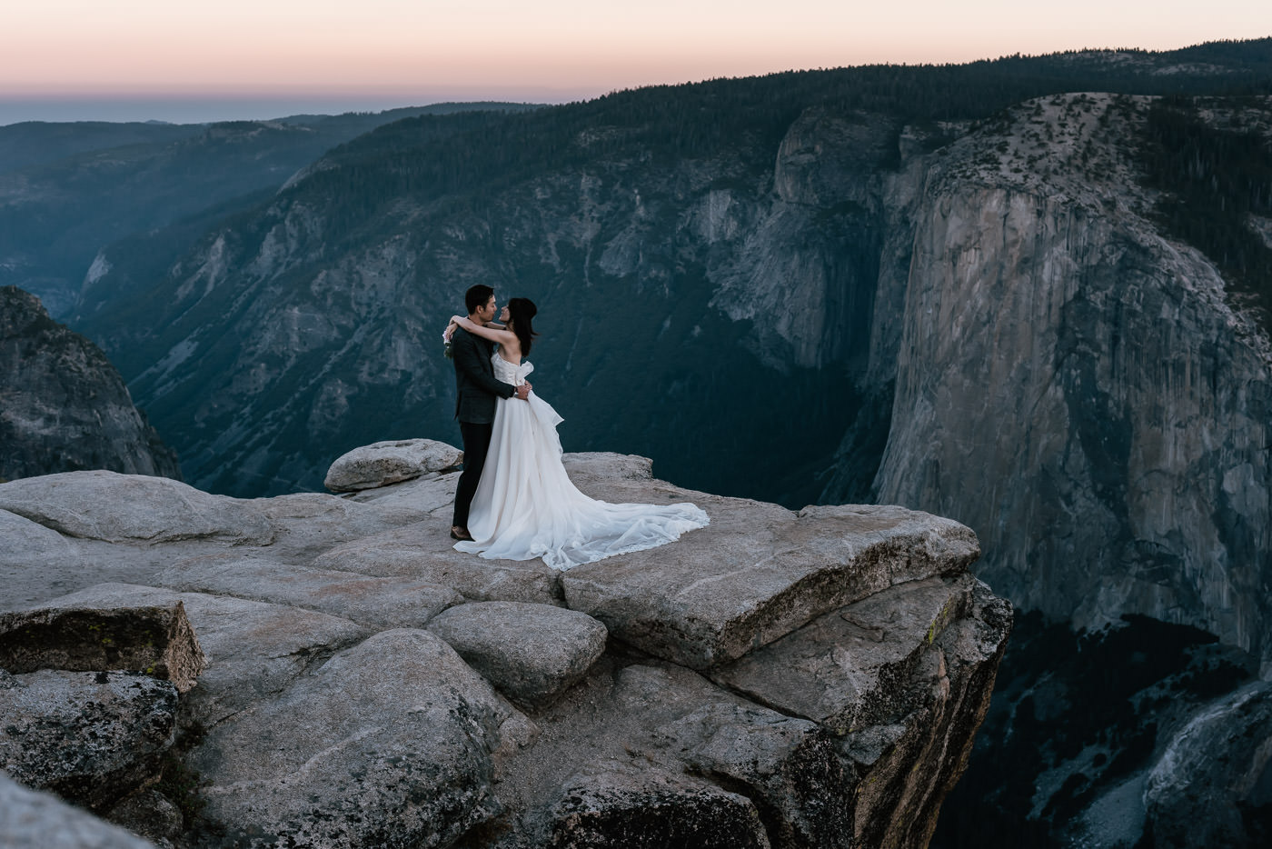 Couple elopes to Yosemite for a sunrise marriage ceremony.