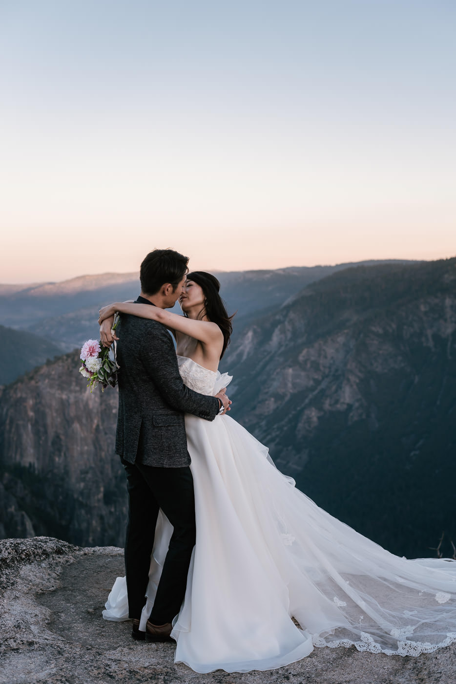 Yosemite destination wedding photography for adventurous couples in love.