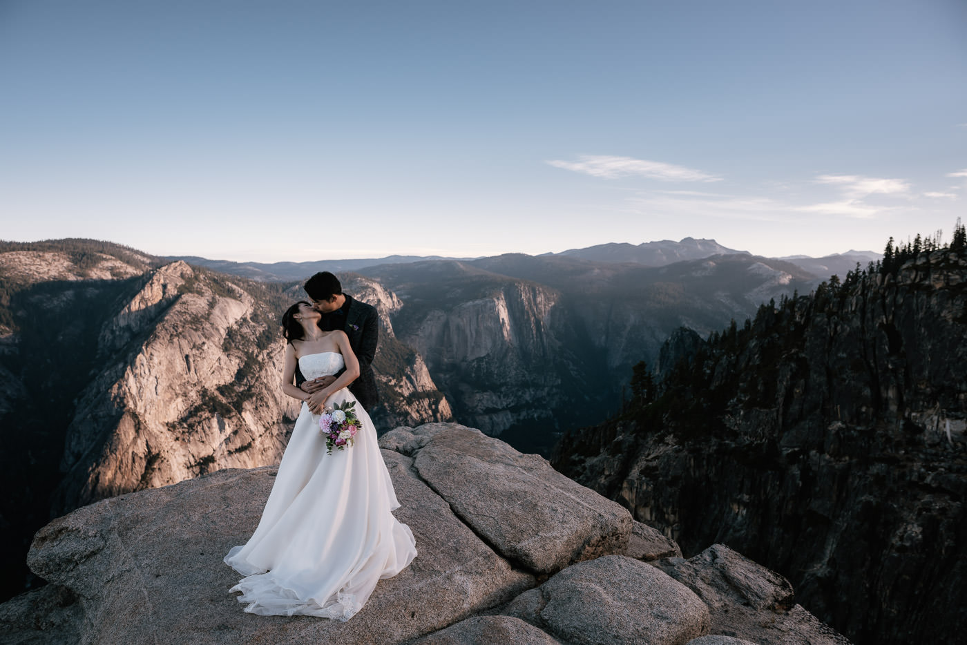 The scenic backdrop of the Sierra Nevada makes for the perfect destination for adventurous elopements.