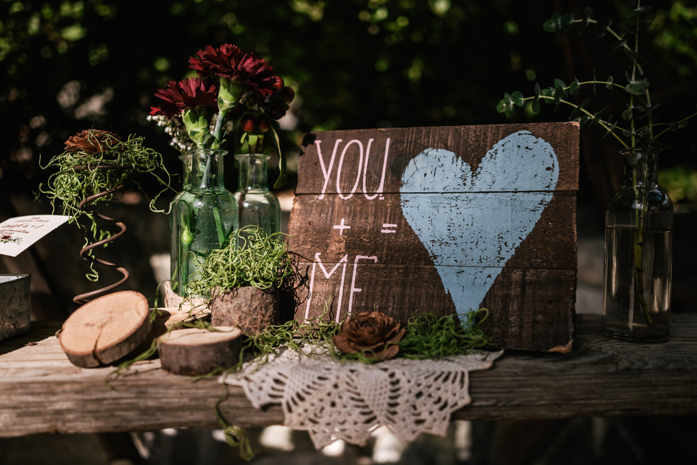 Beautiful rustic wedding details for this ceremony at The Homestead at Wilshire Ranch.