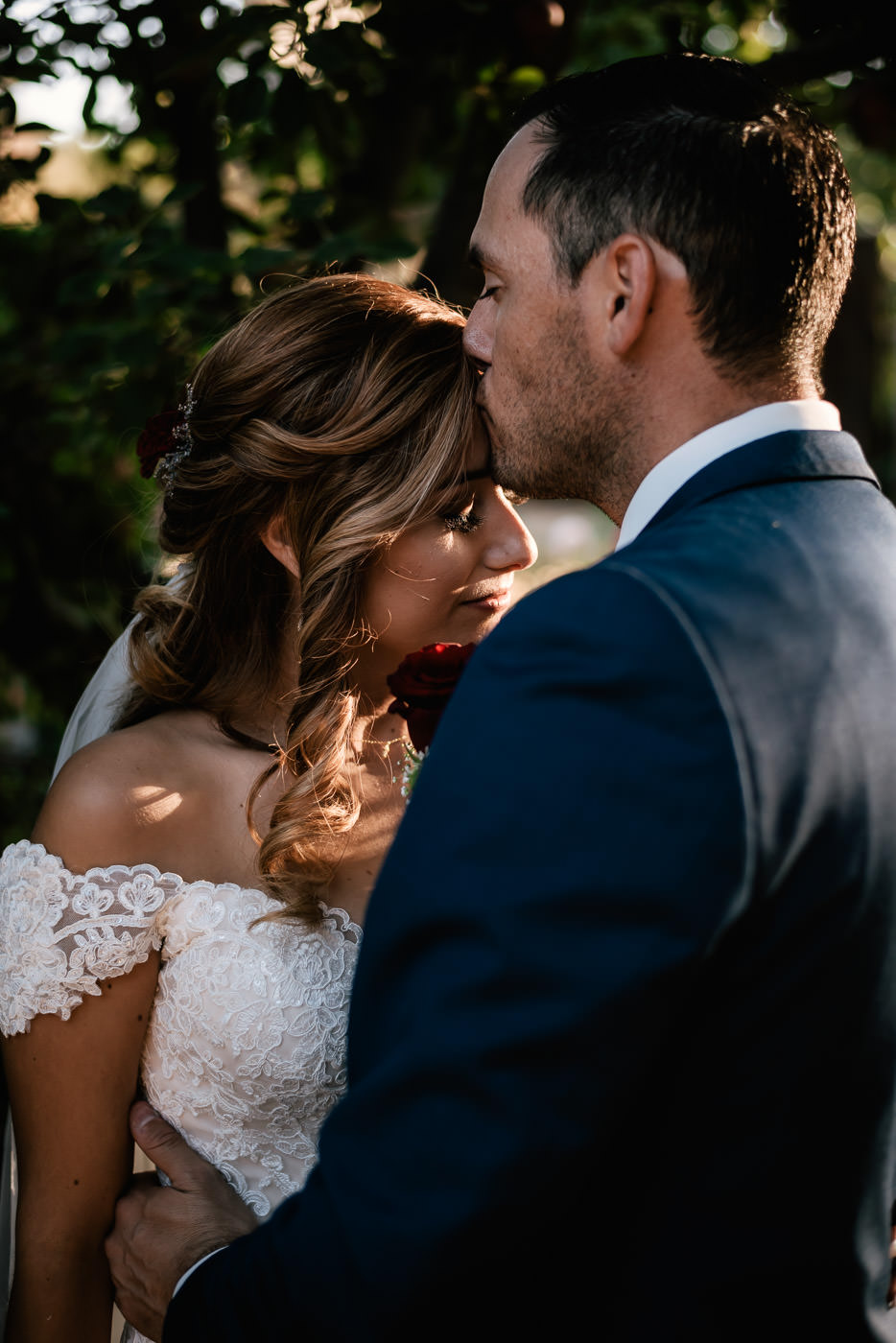Romantic wedding photographs at The Homestead by Fifth Photography.
