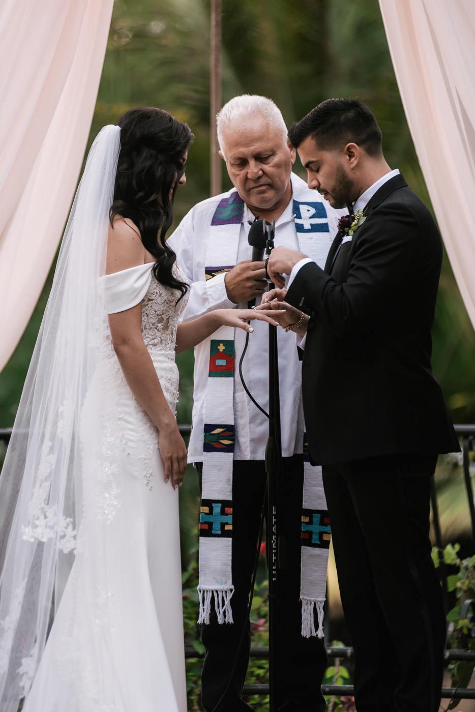 eden-gardens-wedding-photographer-romantic-52.jpg