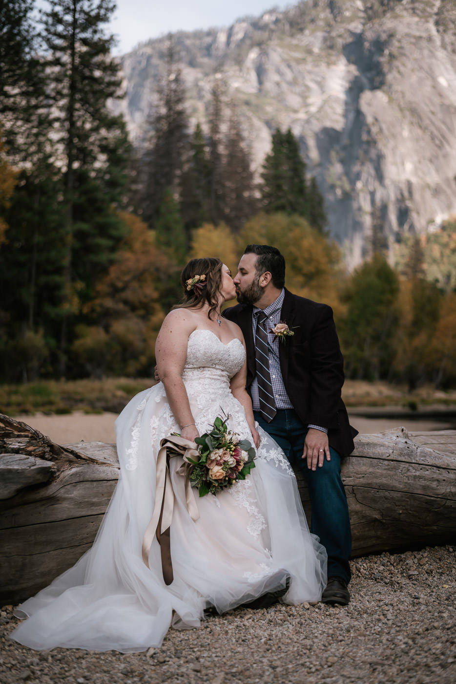 cathedral-beach-elopement-ceremony-yosemite-26.jpg