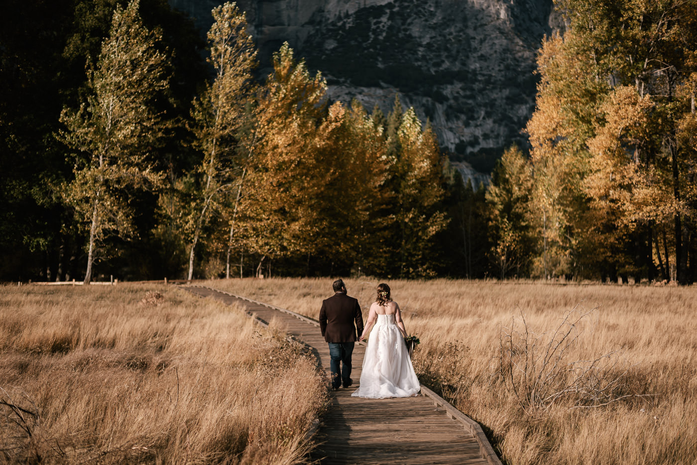 yosemite-meadow-wedding-photos-sunset-1.jpg
