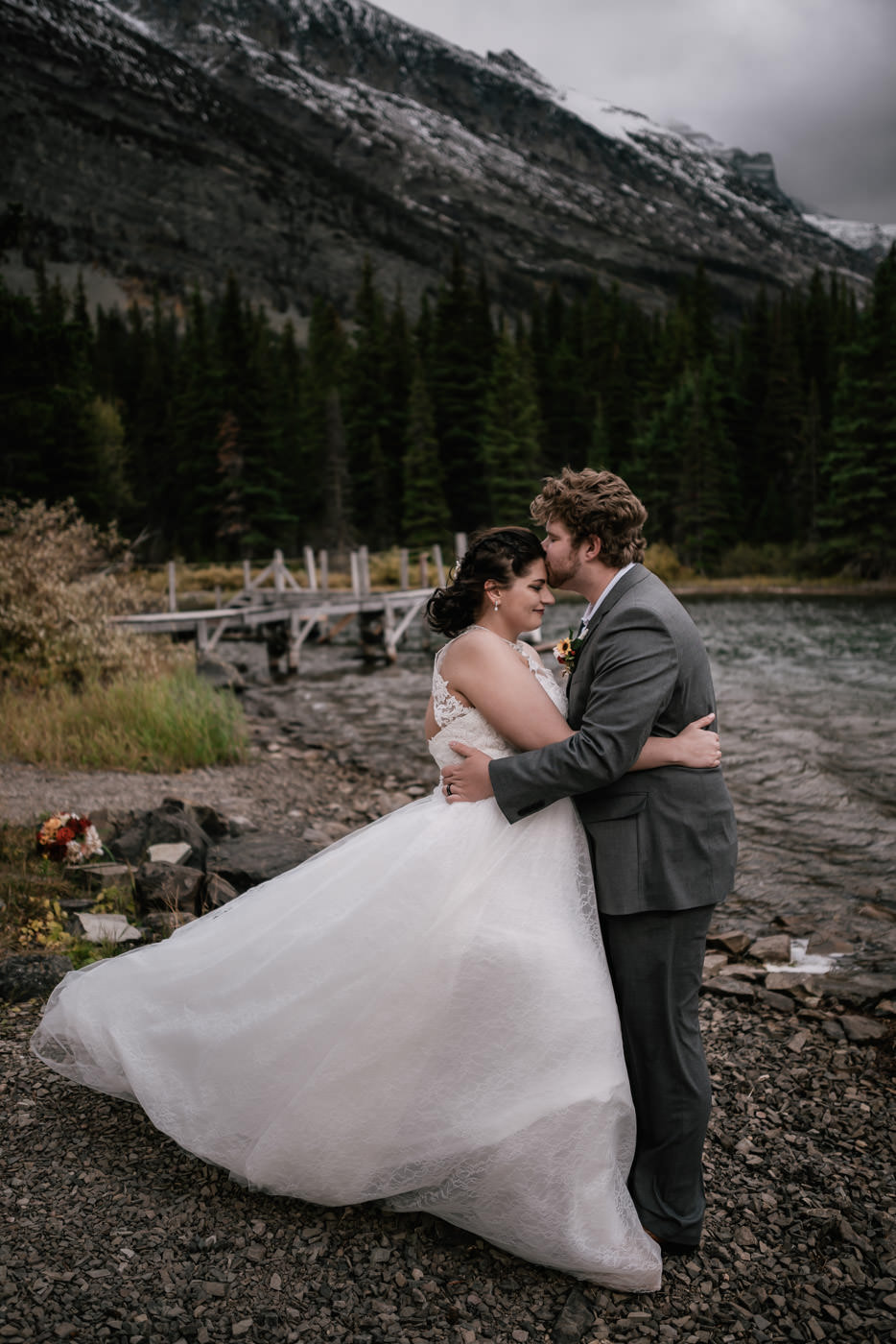 many-glacier-elopement-glacier-national-park-35.jpg