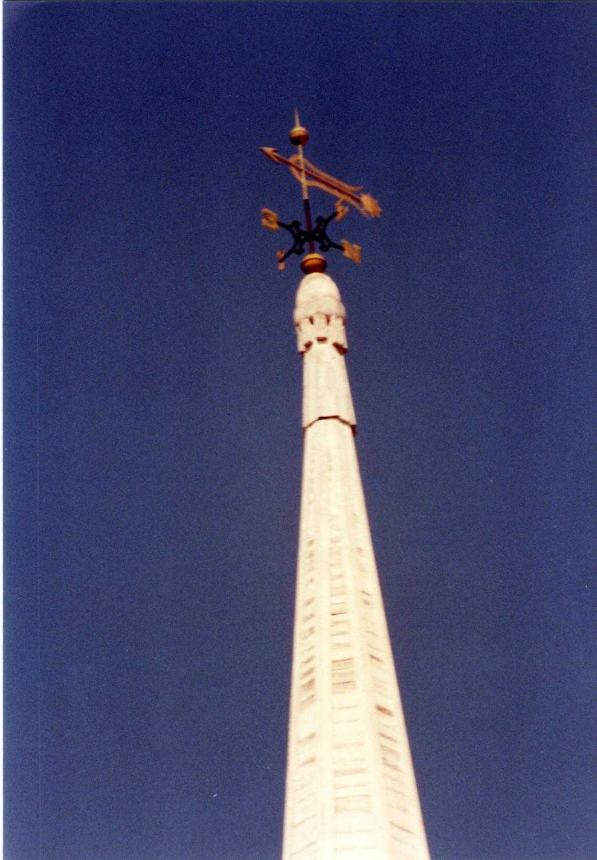 Renovation of a grand multi-cupola steeple
