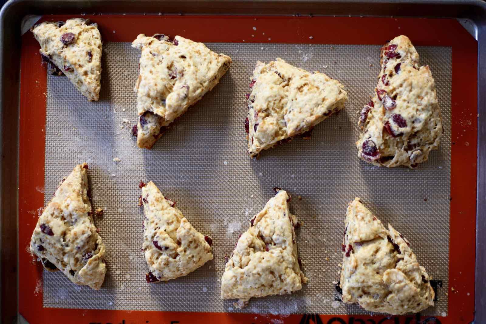 cranberry-yogurt-scones-low-sugar-sucanat.jpg