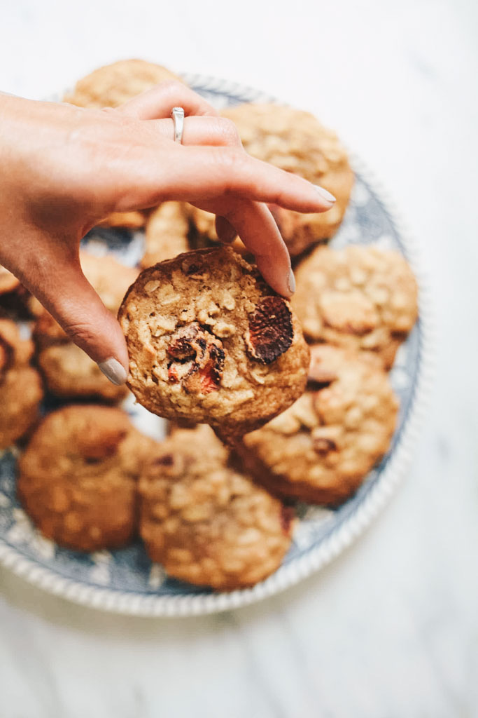 strawberry-oatmeal-cookies-recipe.jpg