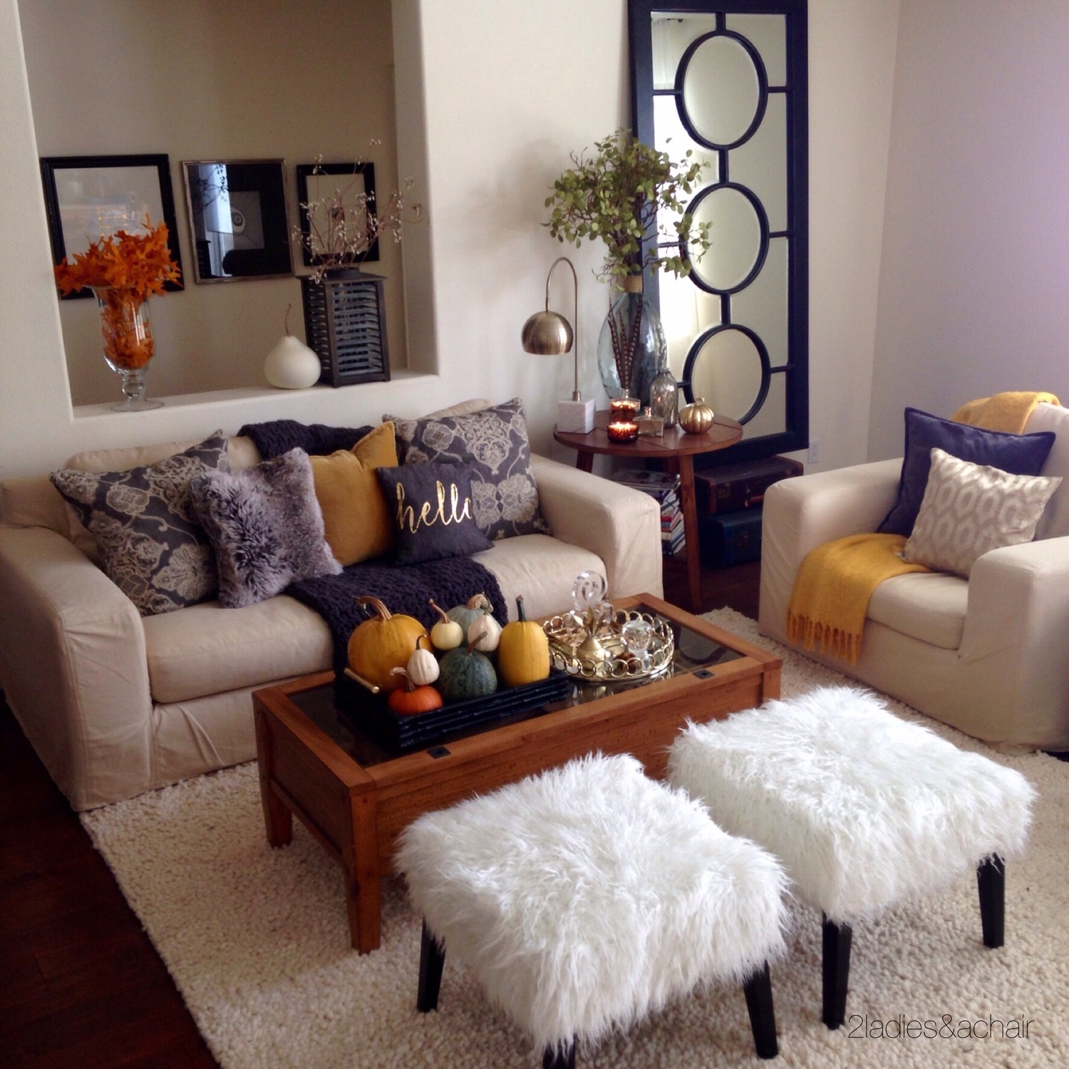 Last year my fall accent color was yellow, based on the gorgeous yellow pumpkins I found in Half Moon Bay, CA.