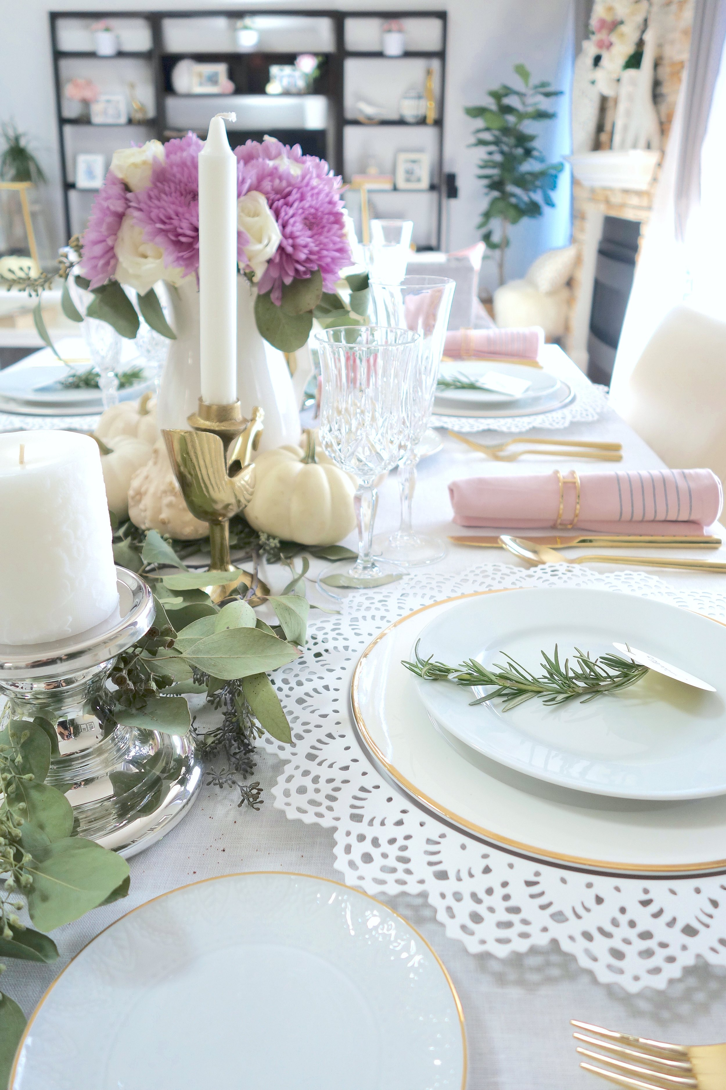 Susana's table is pretty & pink!!! Brilliant!