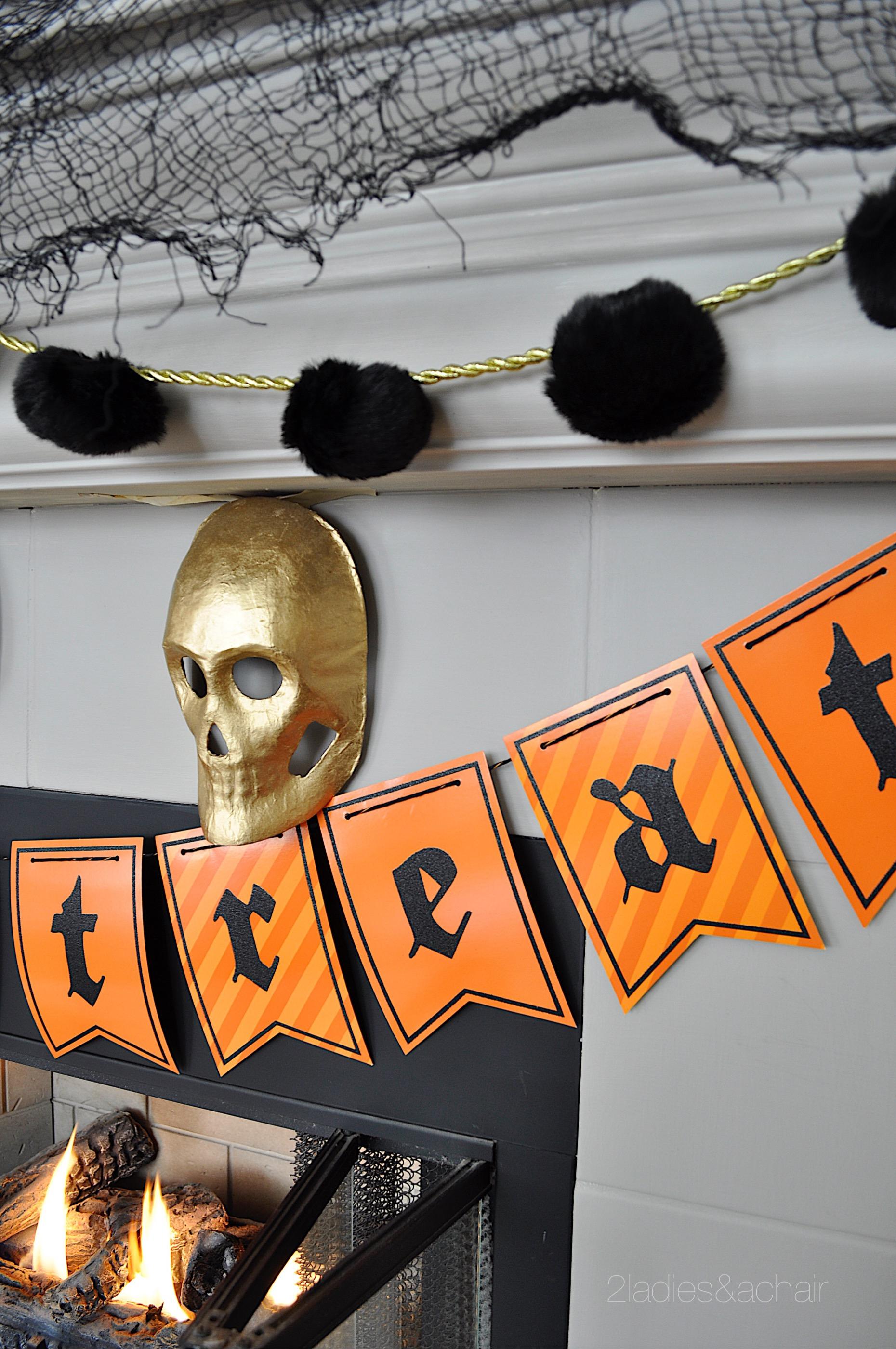 halloween mantel decorations IMG_8211.JPG