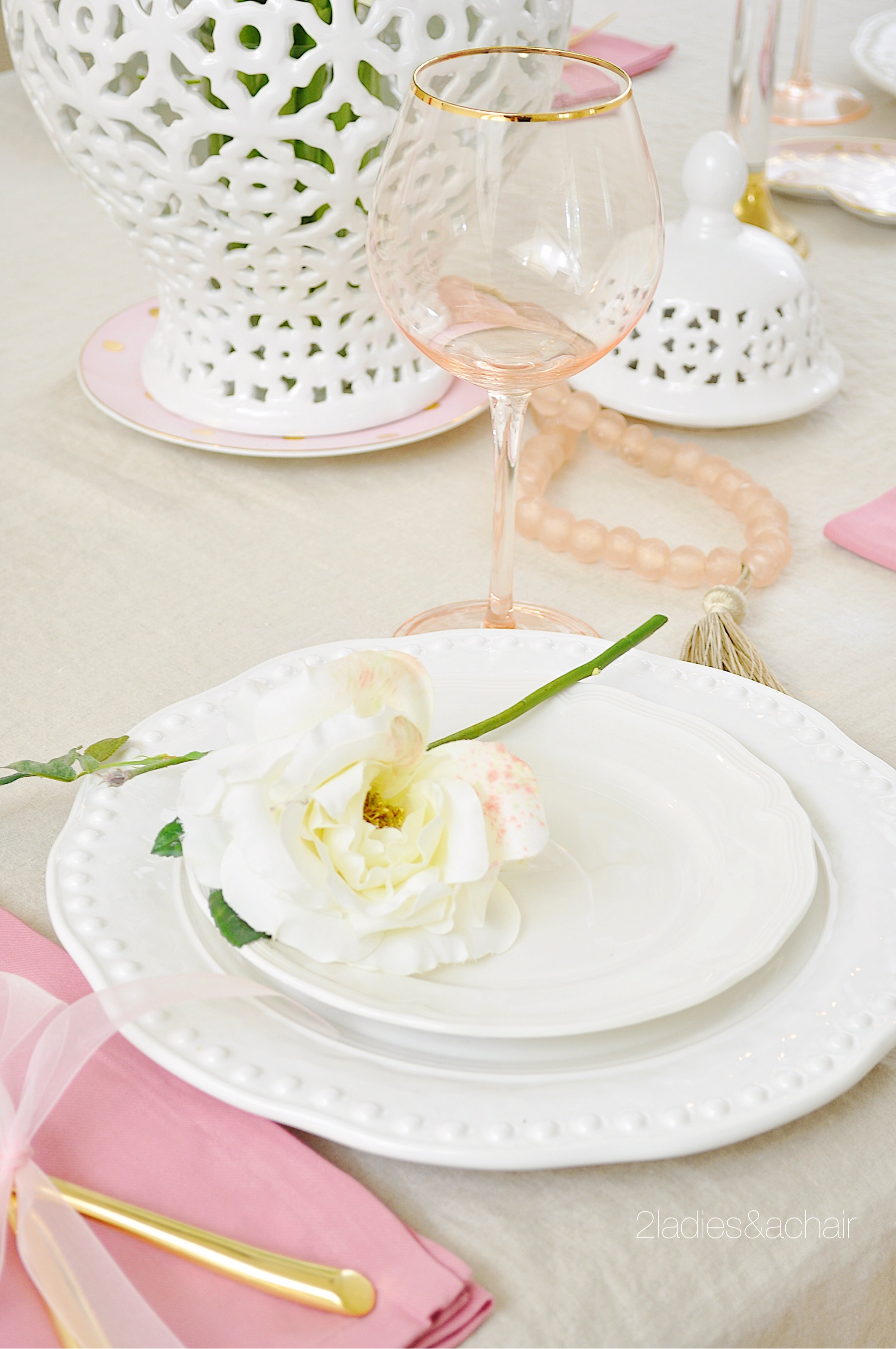 valentine's day table decor IMG_8948.JPG