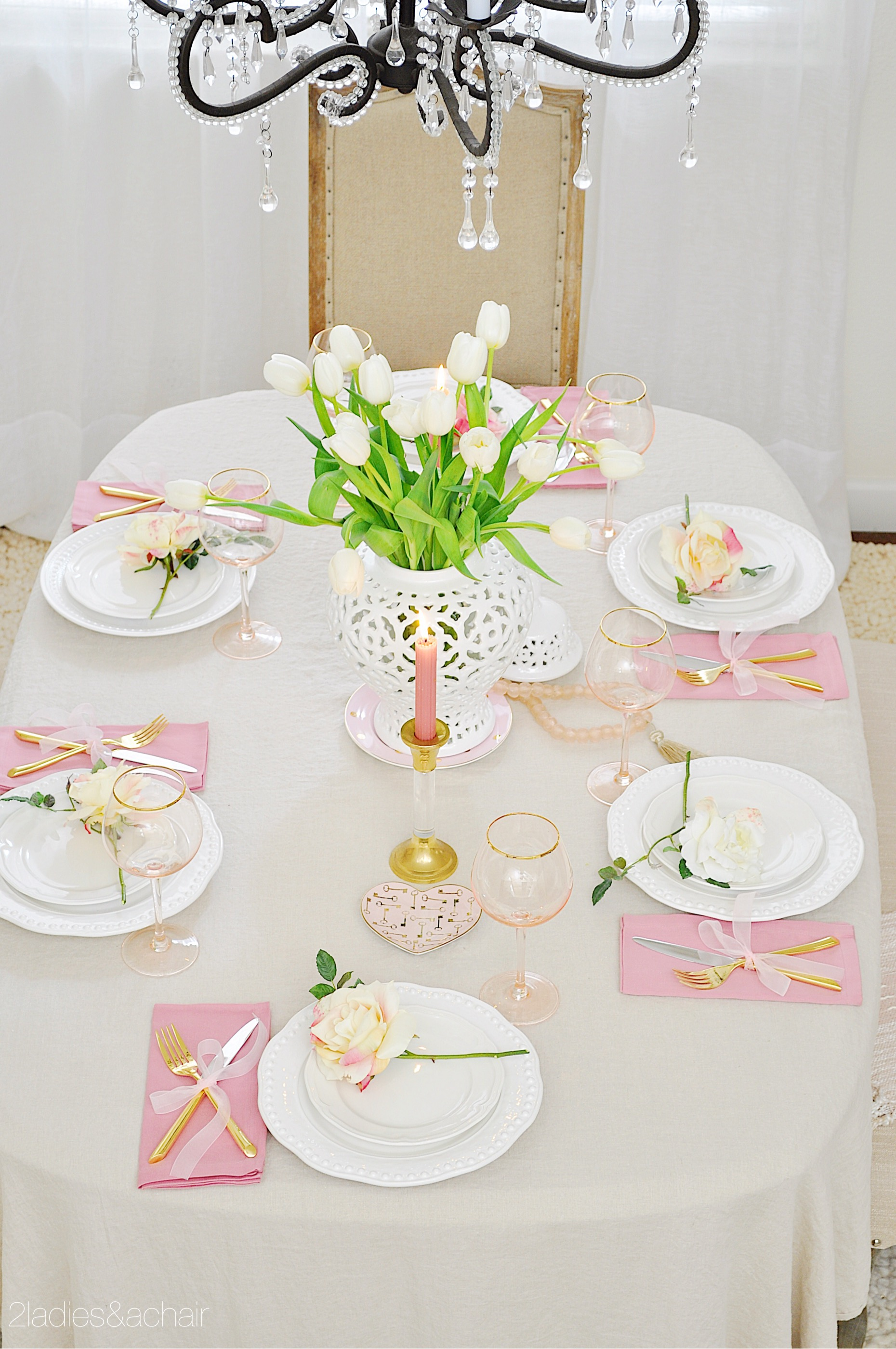 valentine's day table decor IMG_8960.JPG
